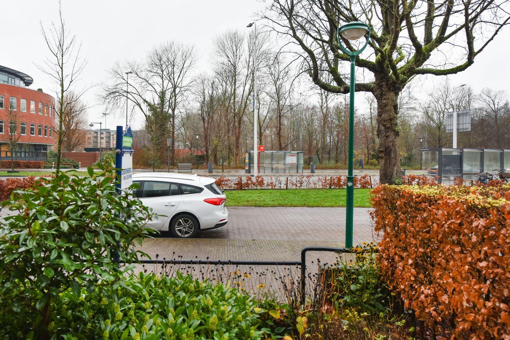 Dr. Lovinklaan 18, Alphen Aan Den Rijn foto-1 blur