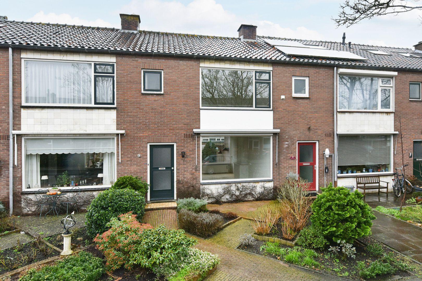 Van Lennepstraat 87, Alphen Aan Den Rijn foto-0 blur