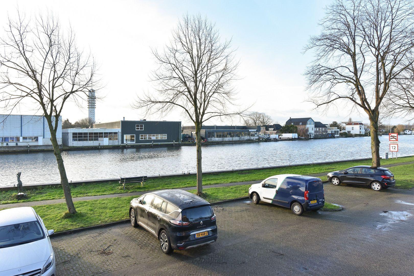 's-Molenaarsweg 7, Alphen Aan Den Rijn foto-19 blur