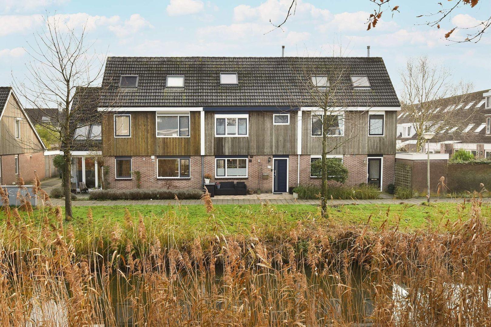 Roosje Vosstraat 24, Alphen Aan Den Rijn foto-0 blur