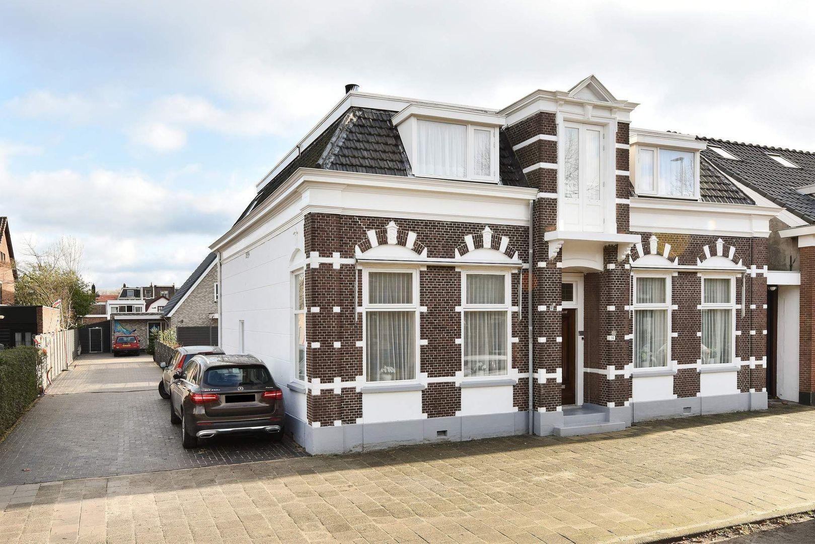 Emmalaan 14, Alphen Aan Den Rijn foto-0 blur
