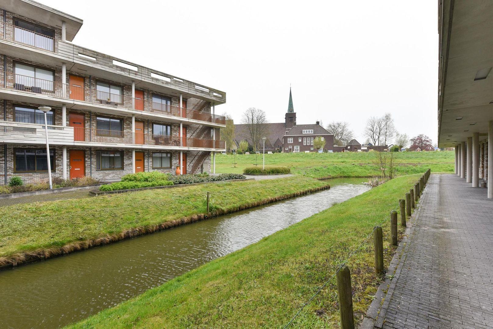 Vijverhof 73, Nieuwkoop foto-17 blur
