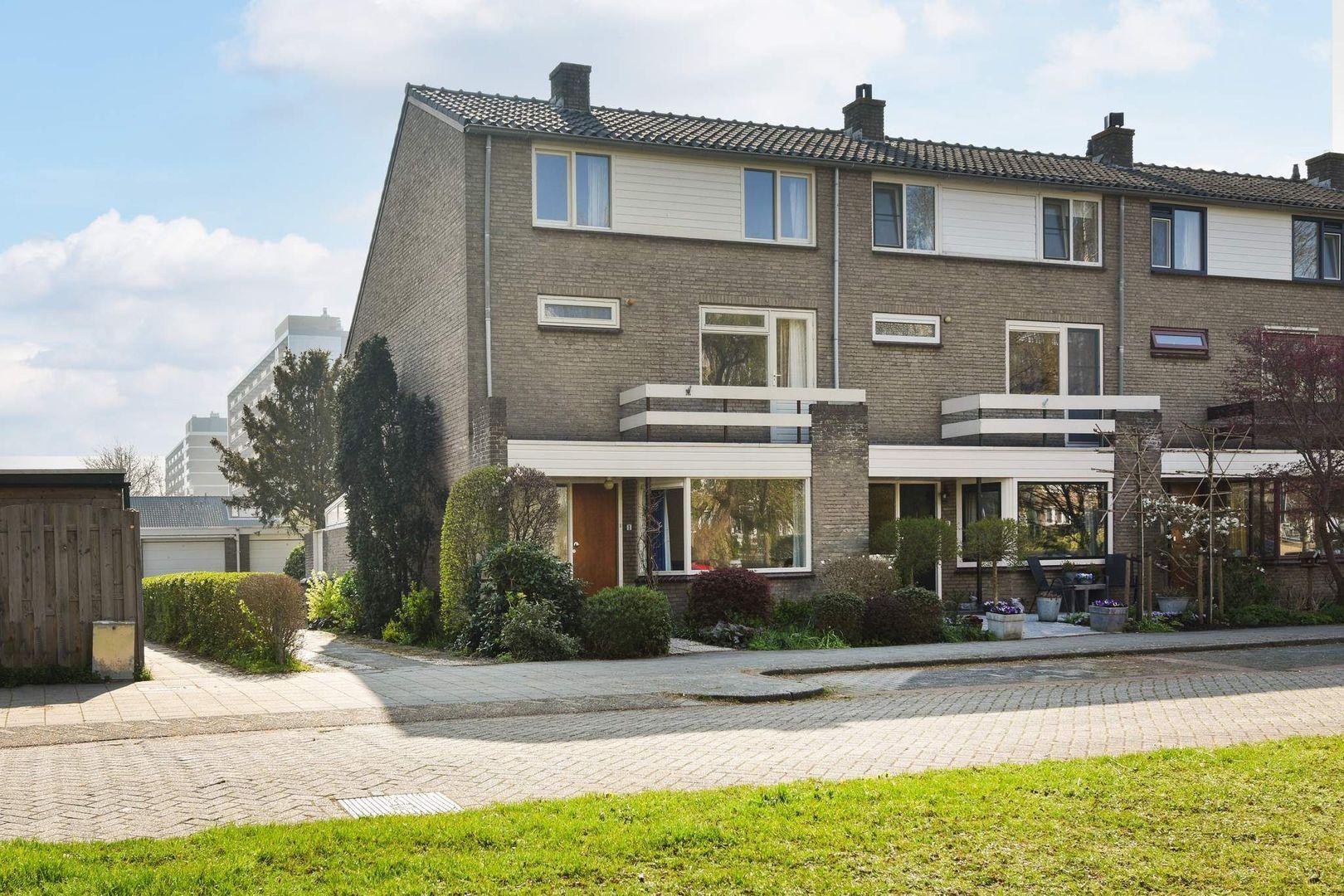 Antaresstraat 1, Alphen Aan Den Rijn foto-0 blur