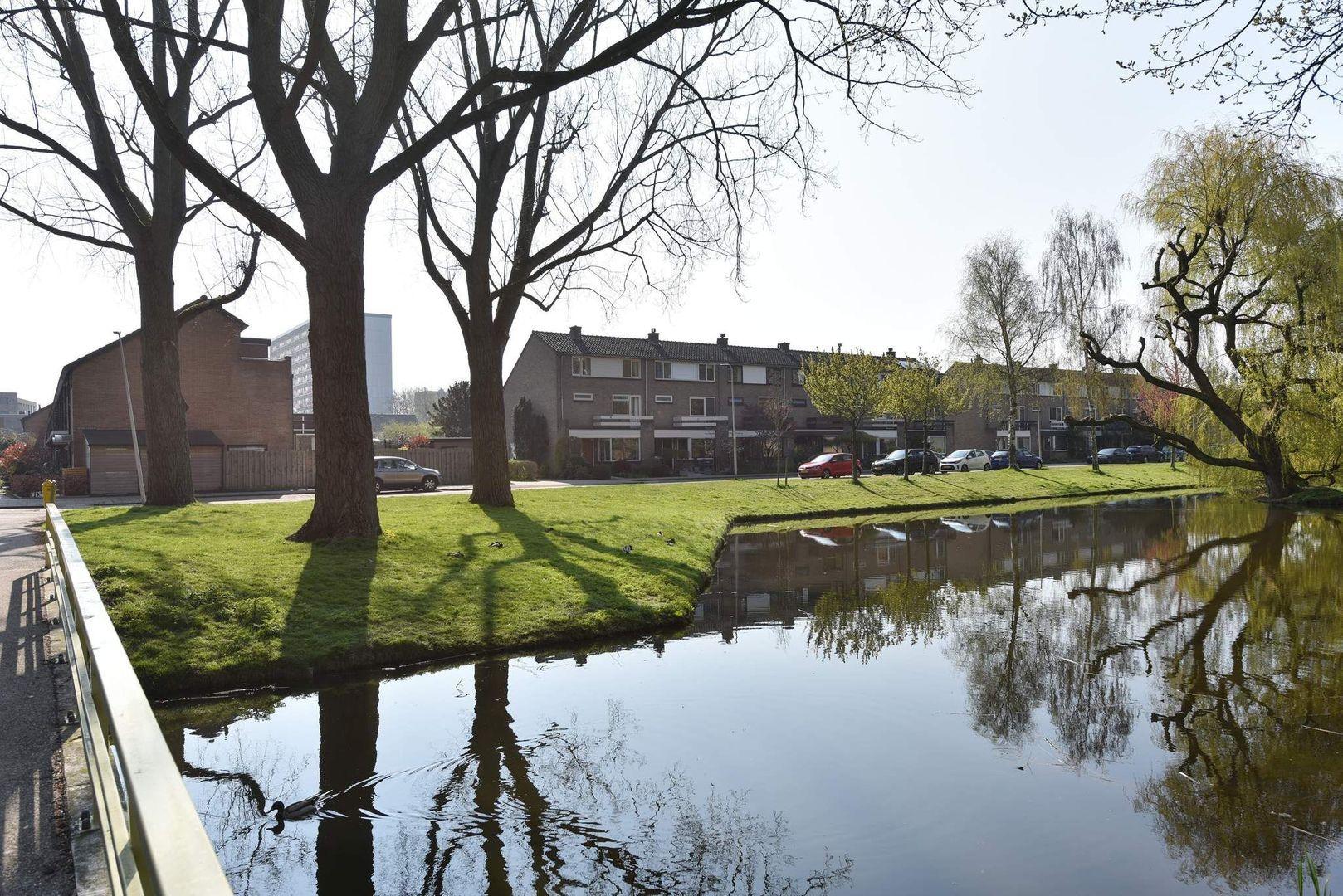 Antaresstraat 1, Alphen Aan Den Rijn foto-1 blur