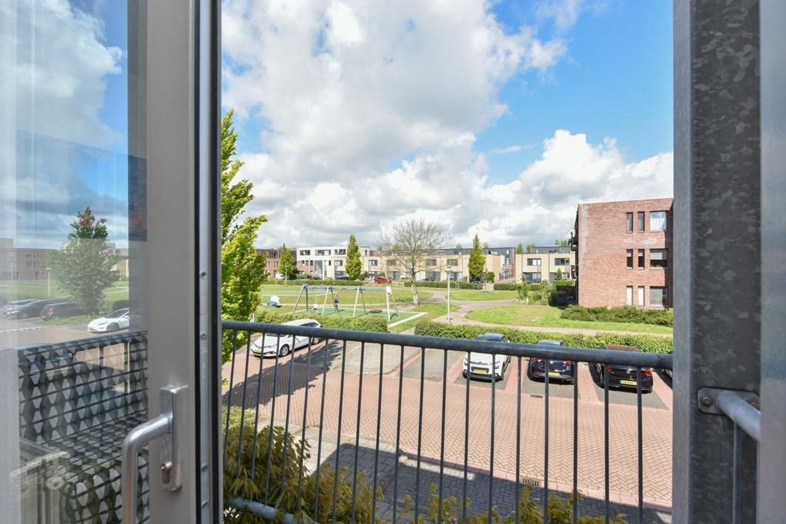 Eendenkooi 15, Alphen Aan Den Rijn foto-9 blur