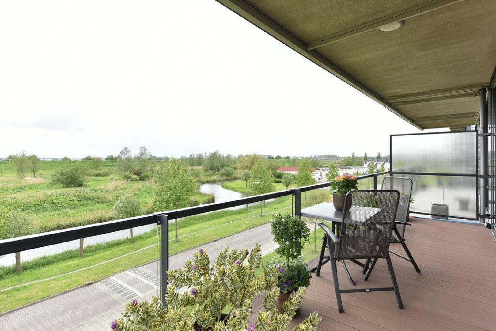 Kooikerstraat 85, Alphen Aan Den Rijn foto-5 blur