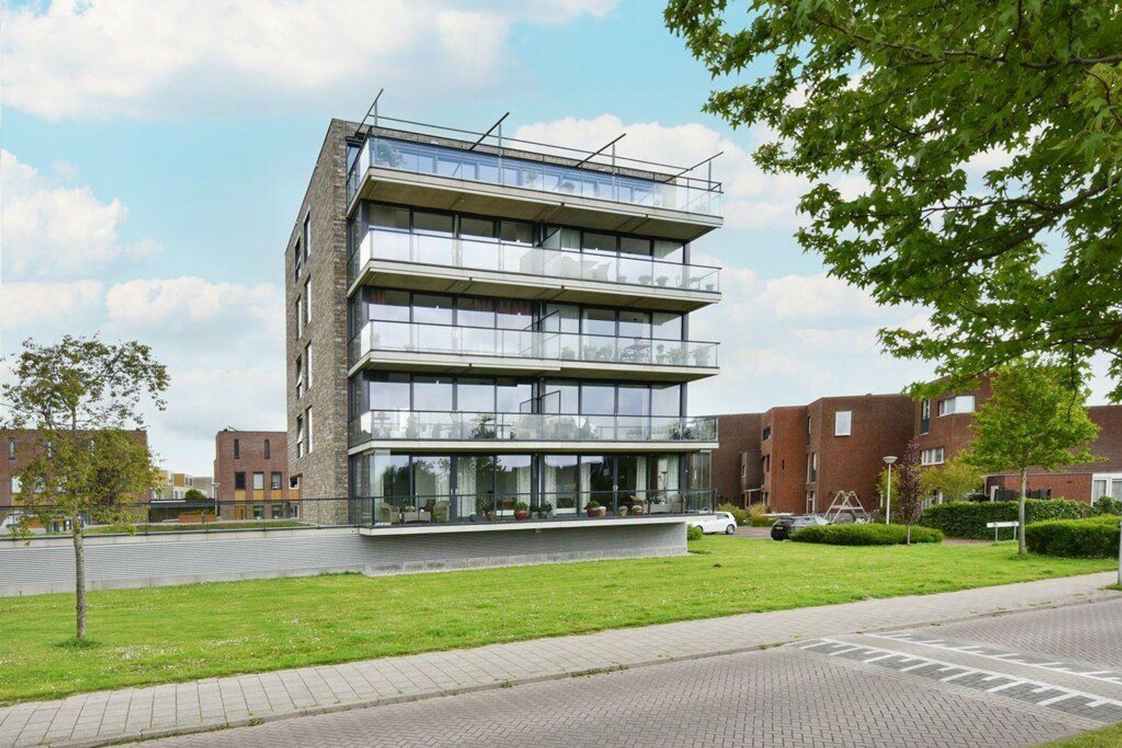Kooikerstraat 85, Alphen Aan Den Rijn foto-0 blur