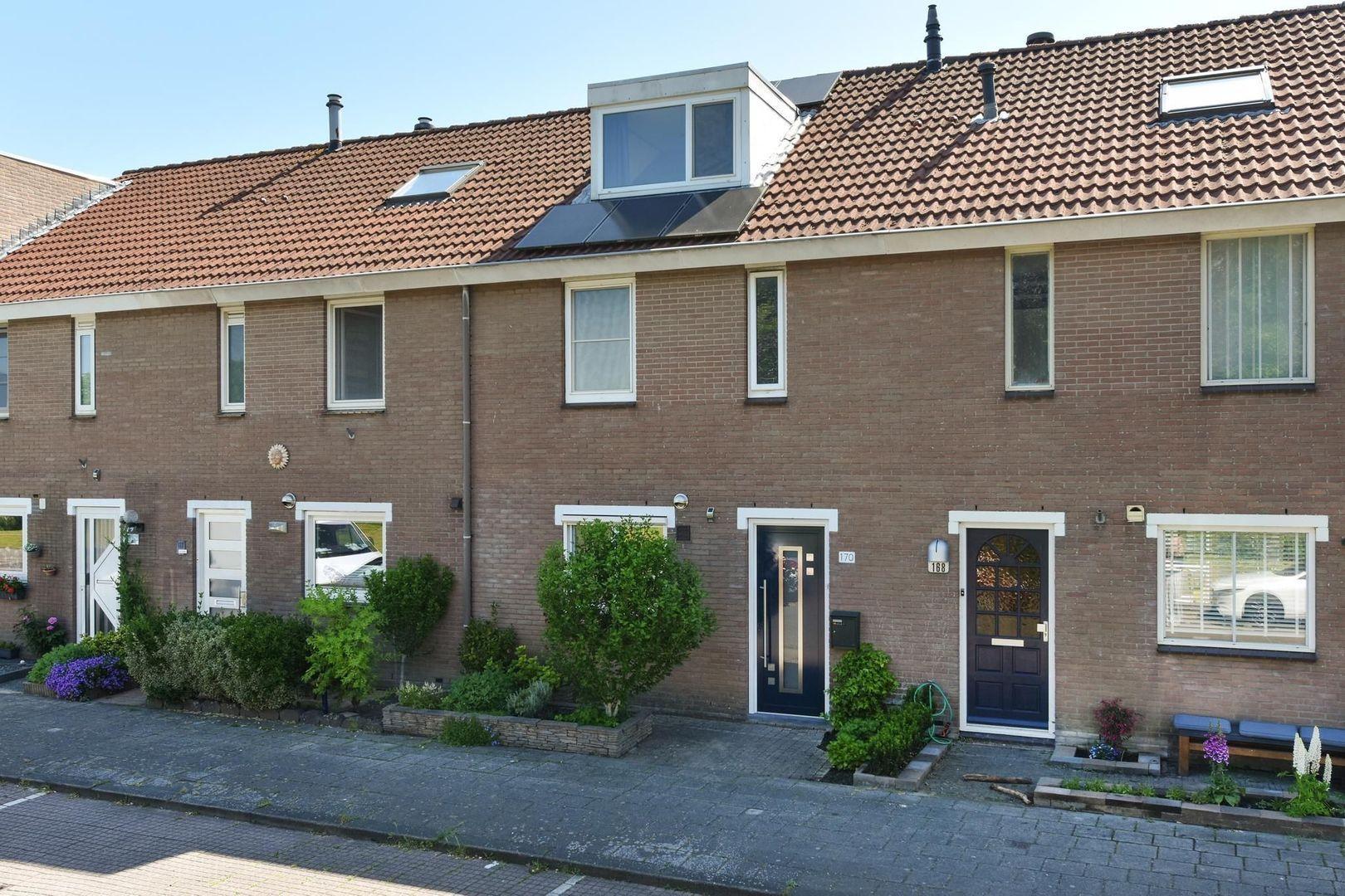 Kalkovenweg 170, Alphen Aan Den Rijn foto-0 blur