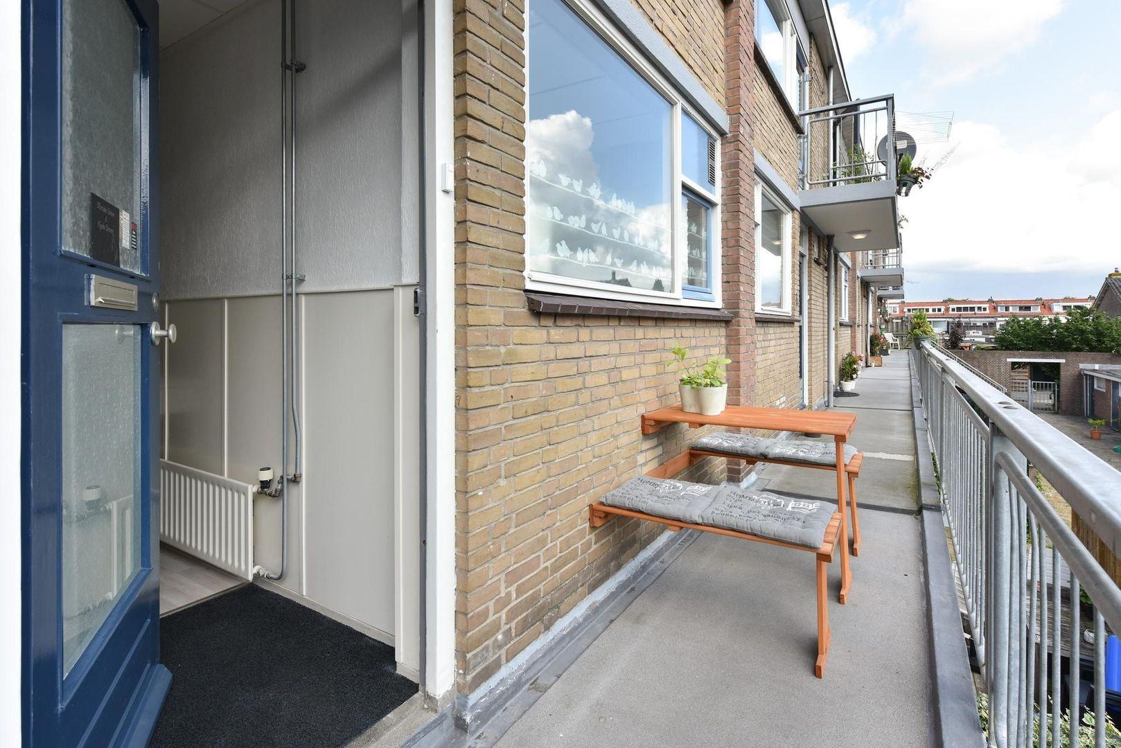Jan Pieterszoon Coenlaan 4, Alphen Aan Den Rijn foto-13 blur