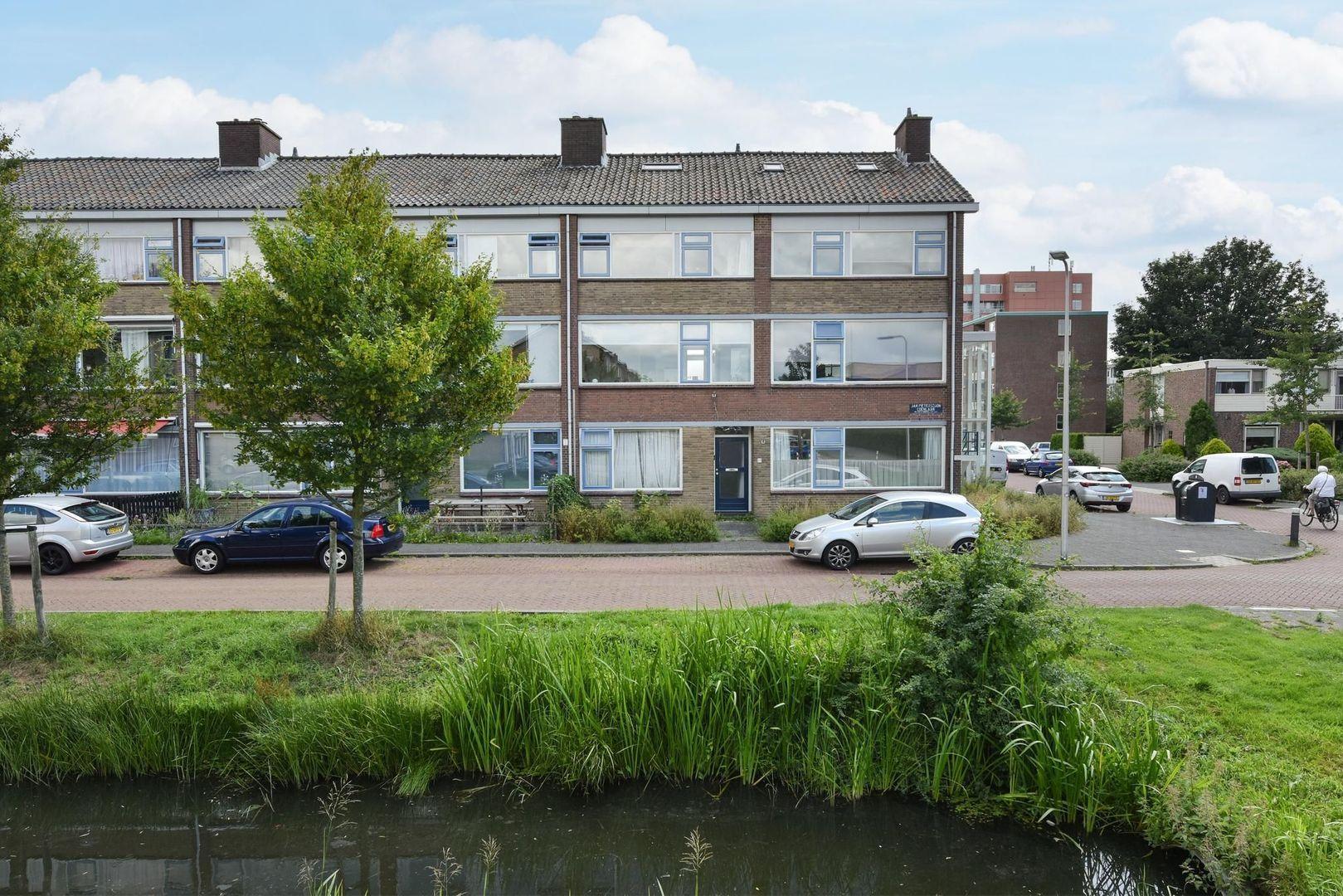 Jan Pieterszoon Coenlaan 4, Alphen Aan Den Rijn foto-0 blur
