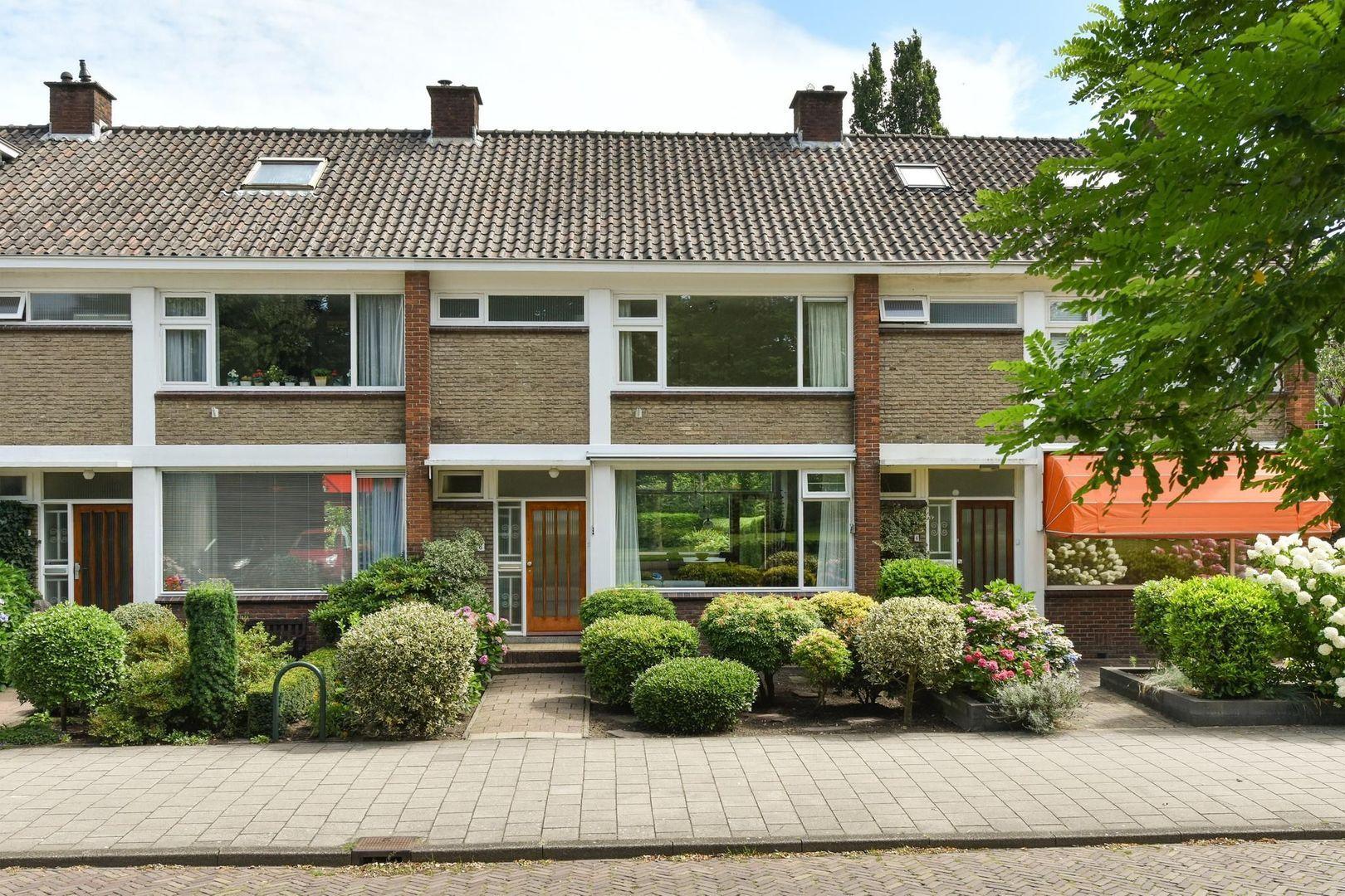 Ambonstraat 6, Alphen Aan Den Rijn foto-0 blur