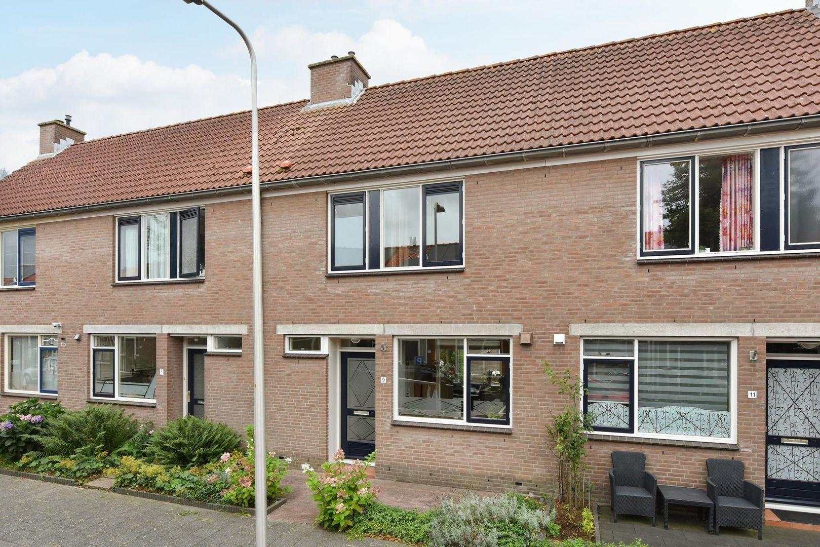 Van Brakelstraat 9, Alphen Aan Den Rijn foto-0 blur