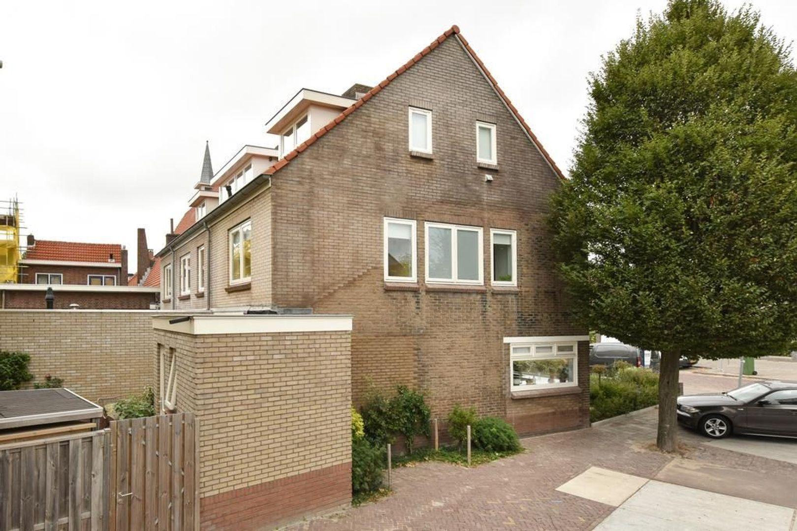 Emmalaan 37, Alphen Aan Den Rijn foto-25 blur