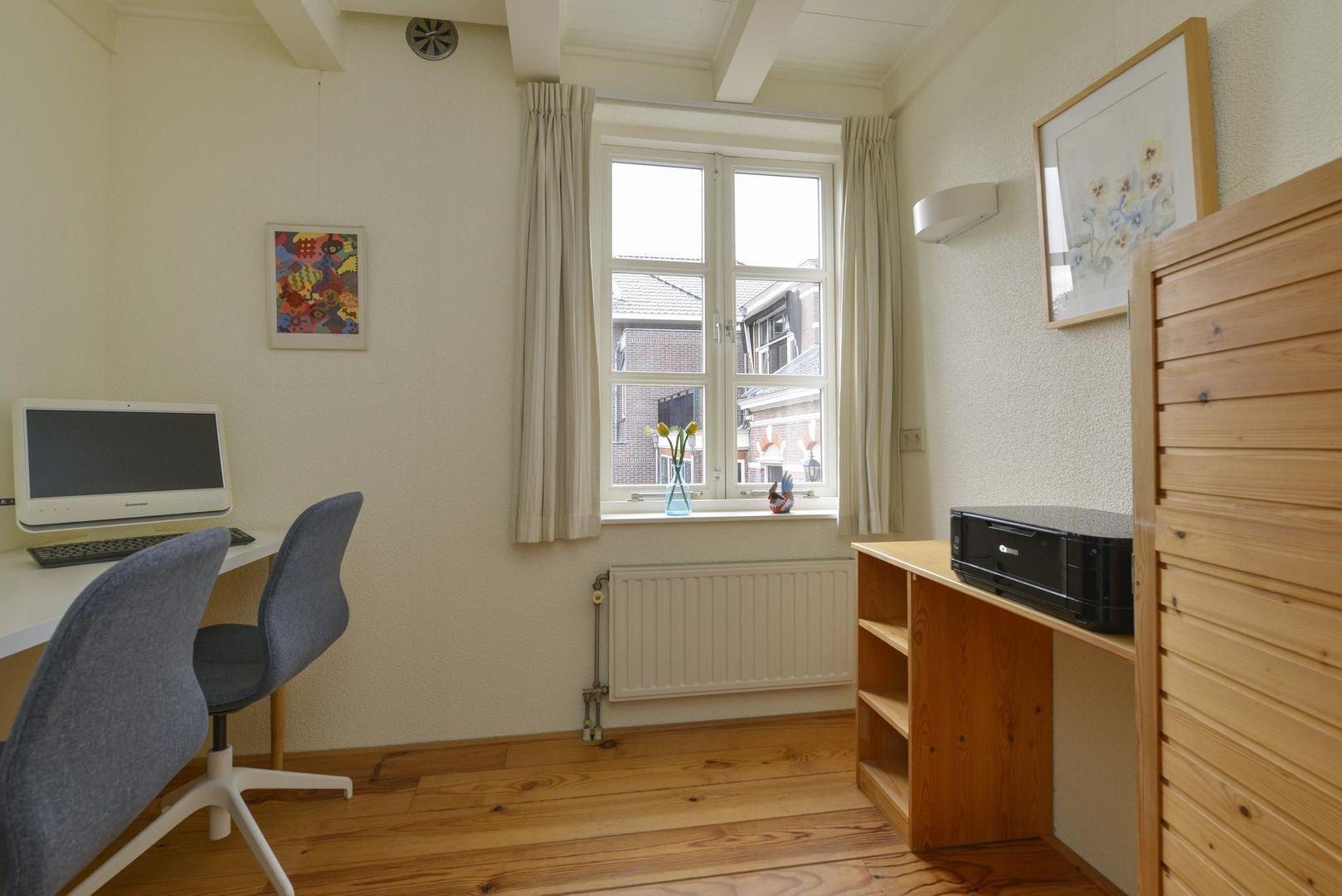 Prins Hendrikstraat 122 A, Alphen Aan Den Rijn foto-14 blur