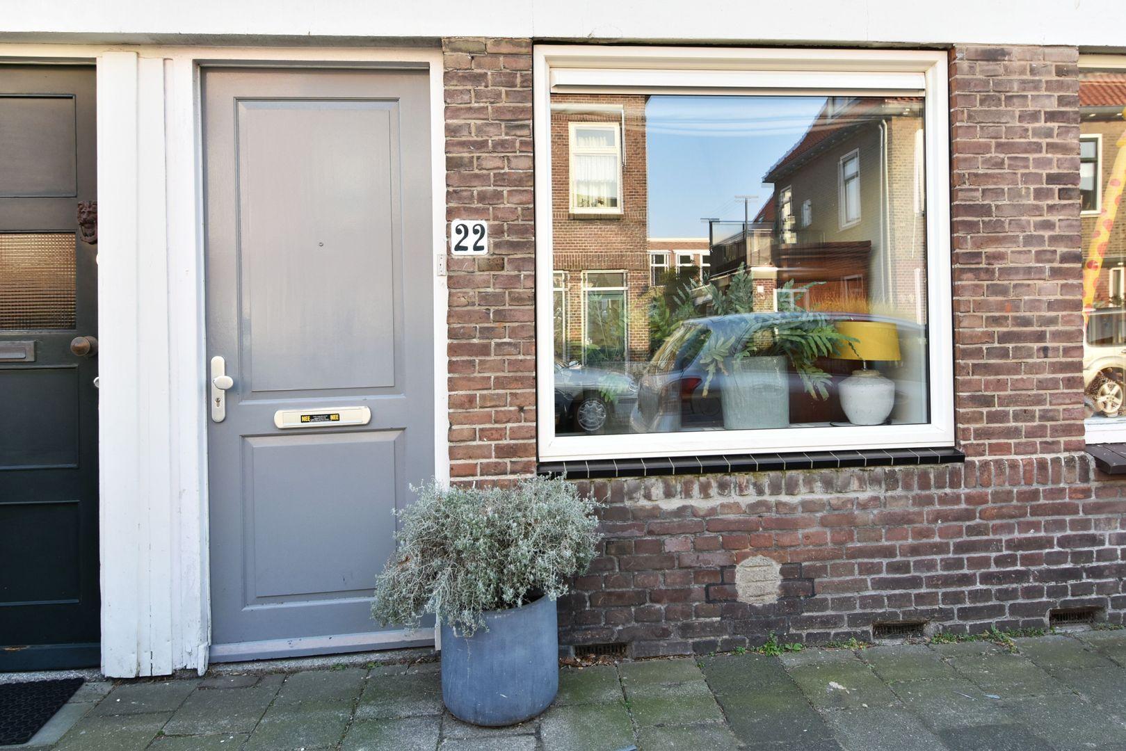 Loolaan 22, Voorburg foto-1