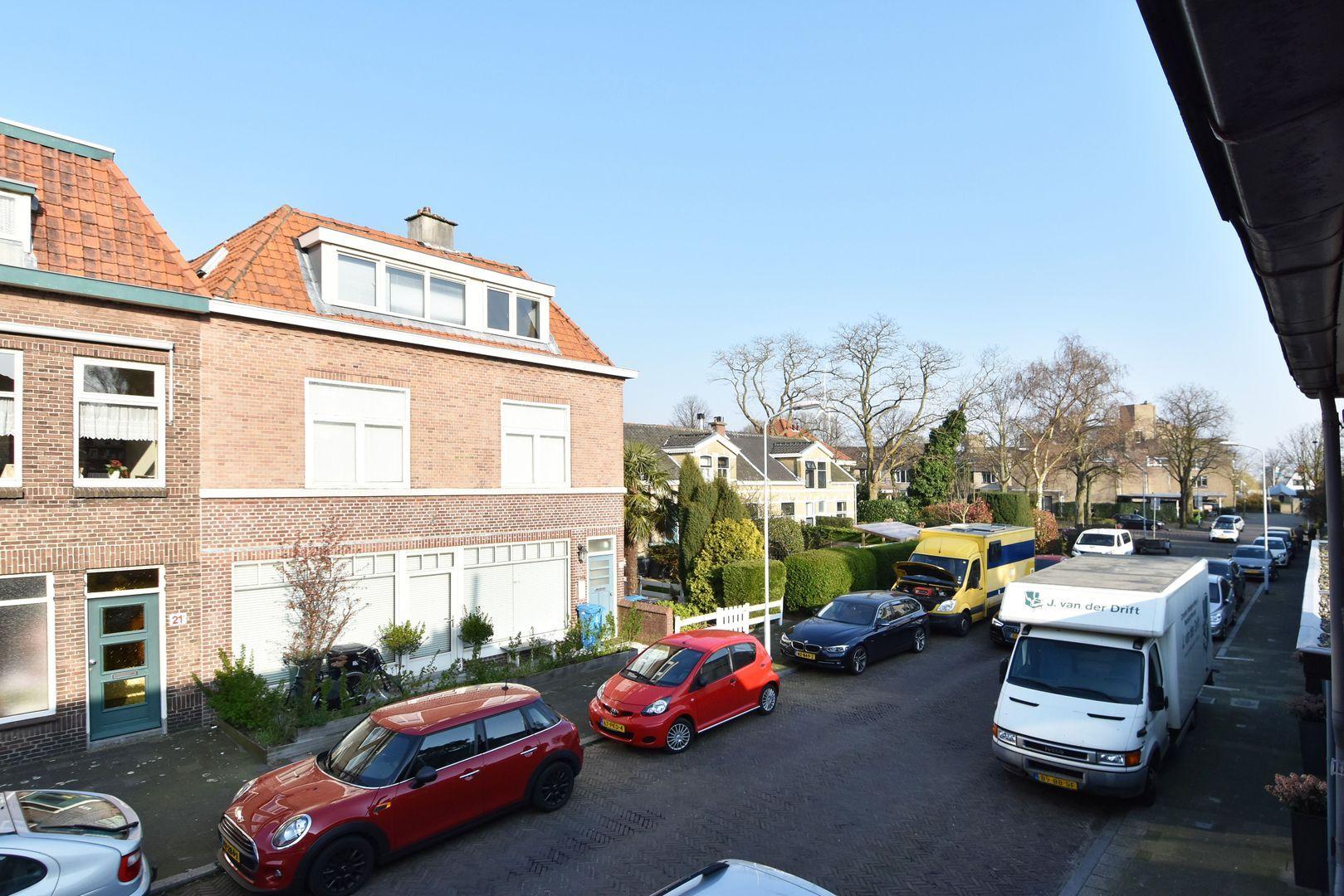 Loolaan 22, Voorburg foto-29