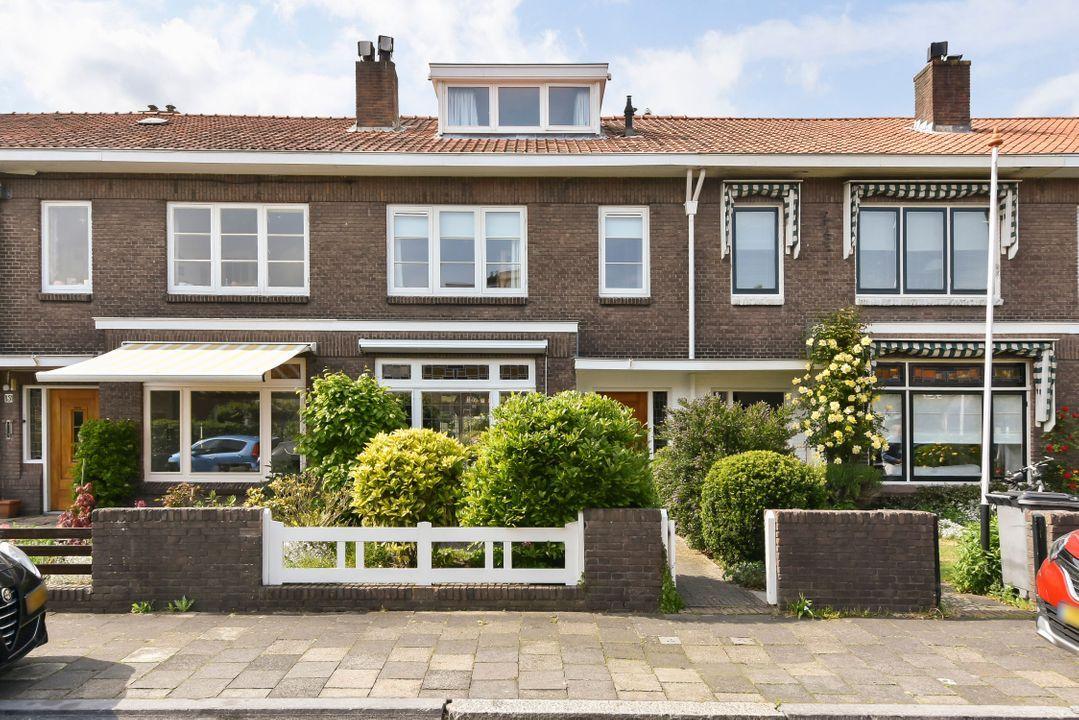 Essesteijnstraat 153, Voorburg foto-0