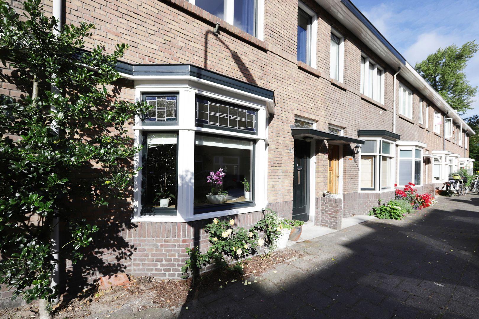 Agrippinastraat 47, Voorburg foto-2