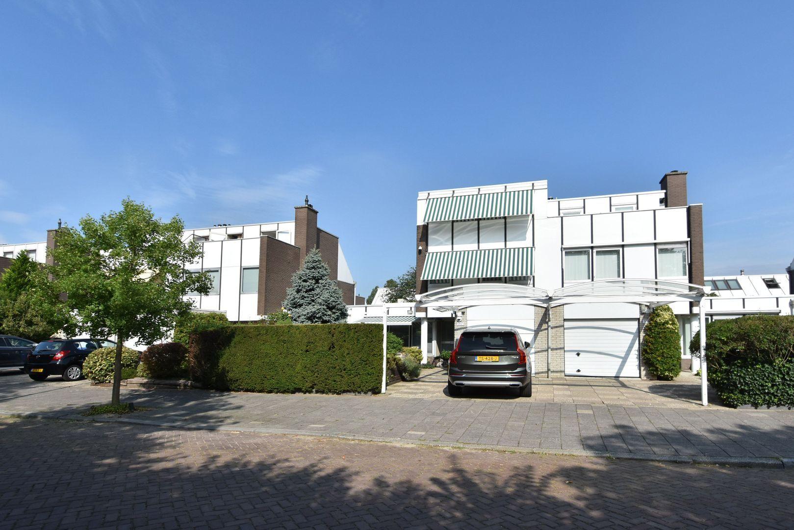 Prins Bernhardlaan 317, Voorburg foto-0