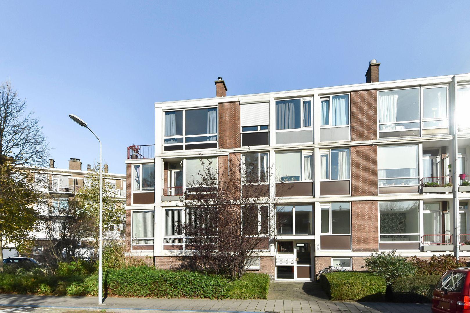 Aart van der Leeuwkade 165, Voorburg foto-0