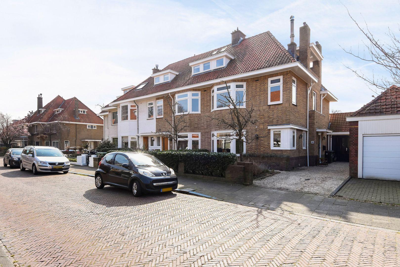 Den Burghstraat 4, Voorburg foto-0