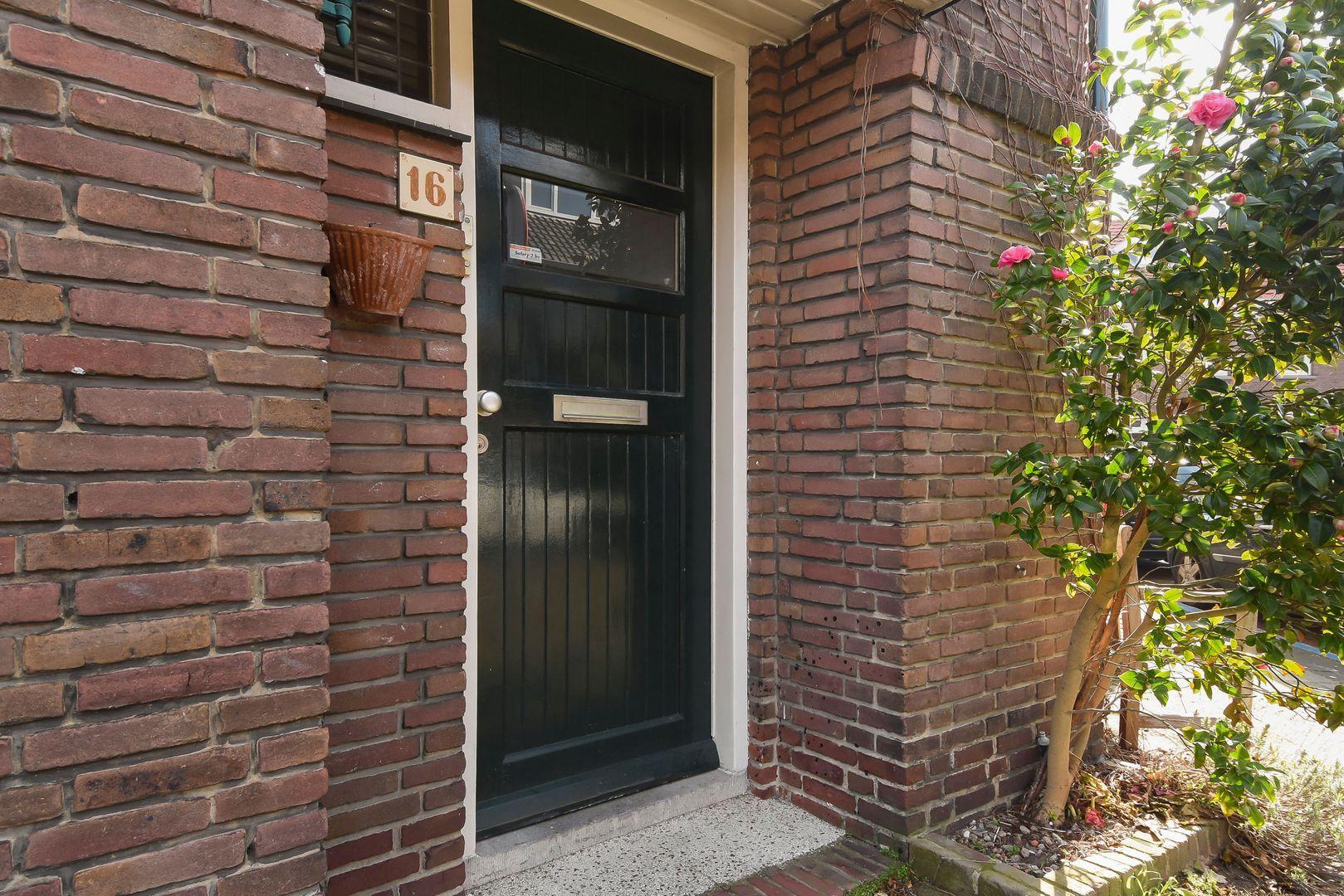 Agrippinastraat 16, Voorburg foto-1