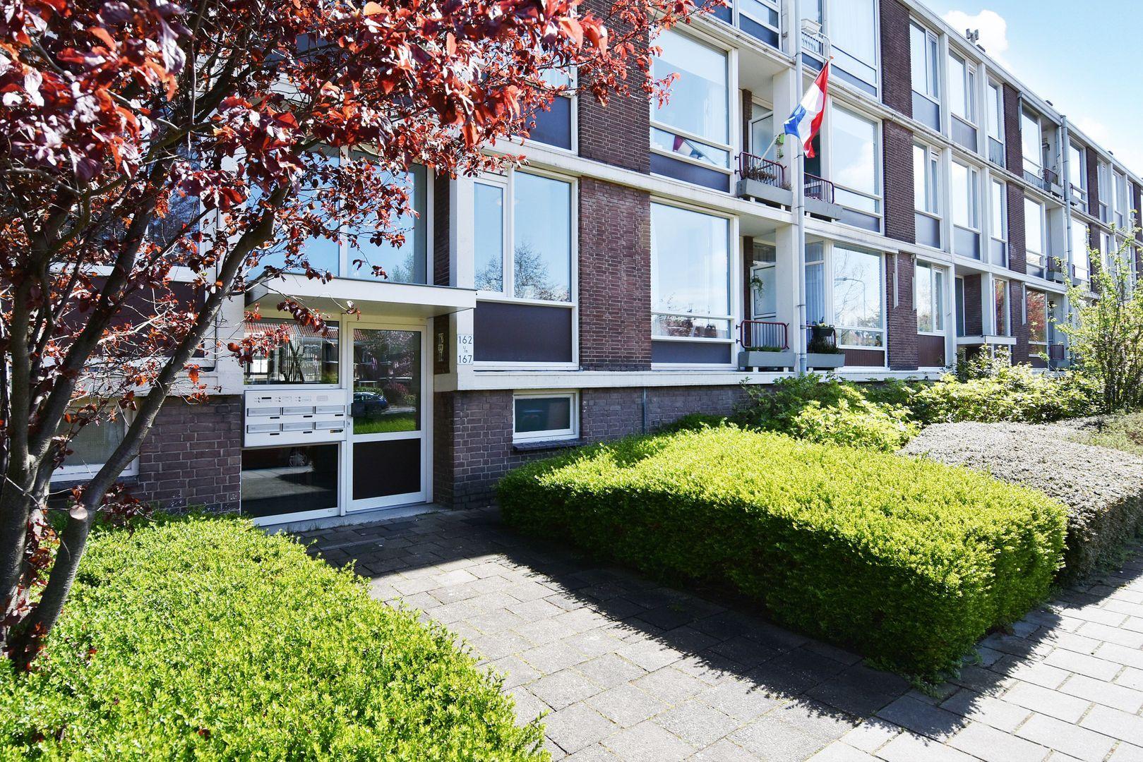 Aart van der Leeuwkade 162, Voorburg foto-1