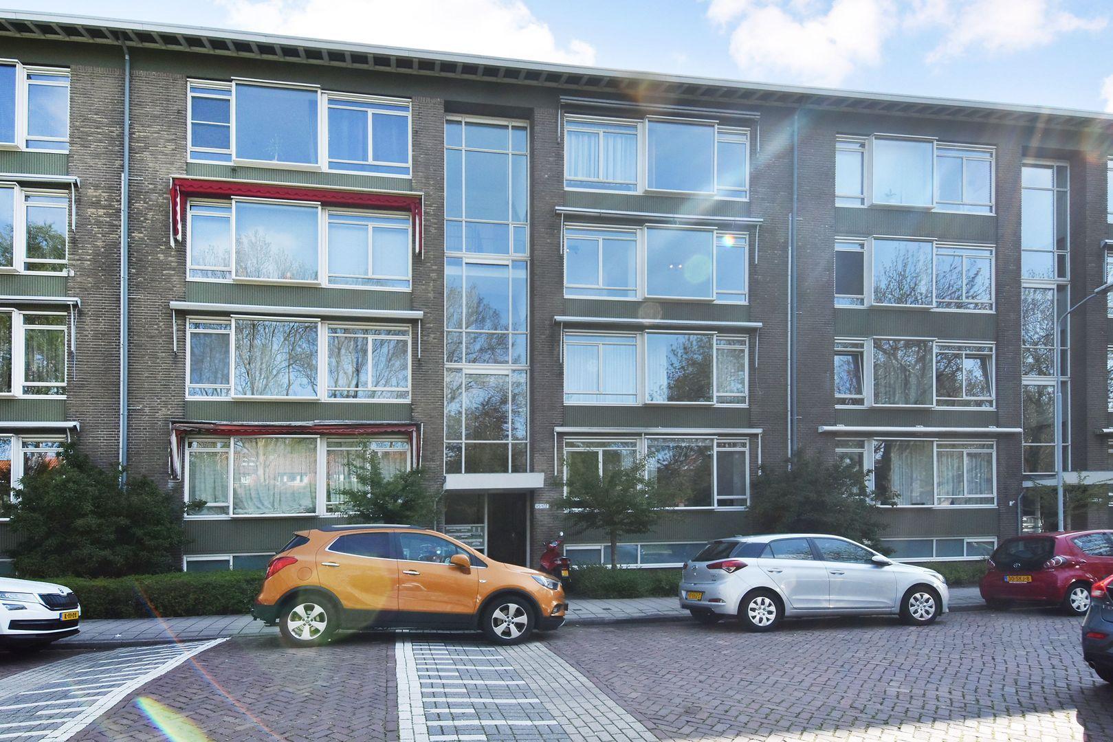 Aart van der Leeuwkade 97, Voorburg foto-1