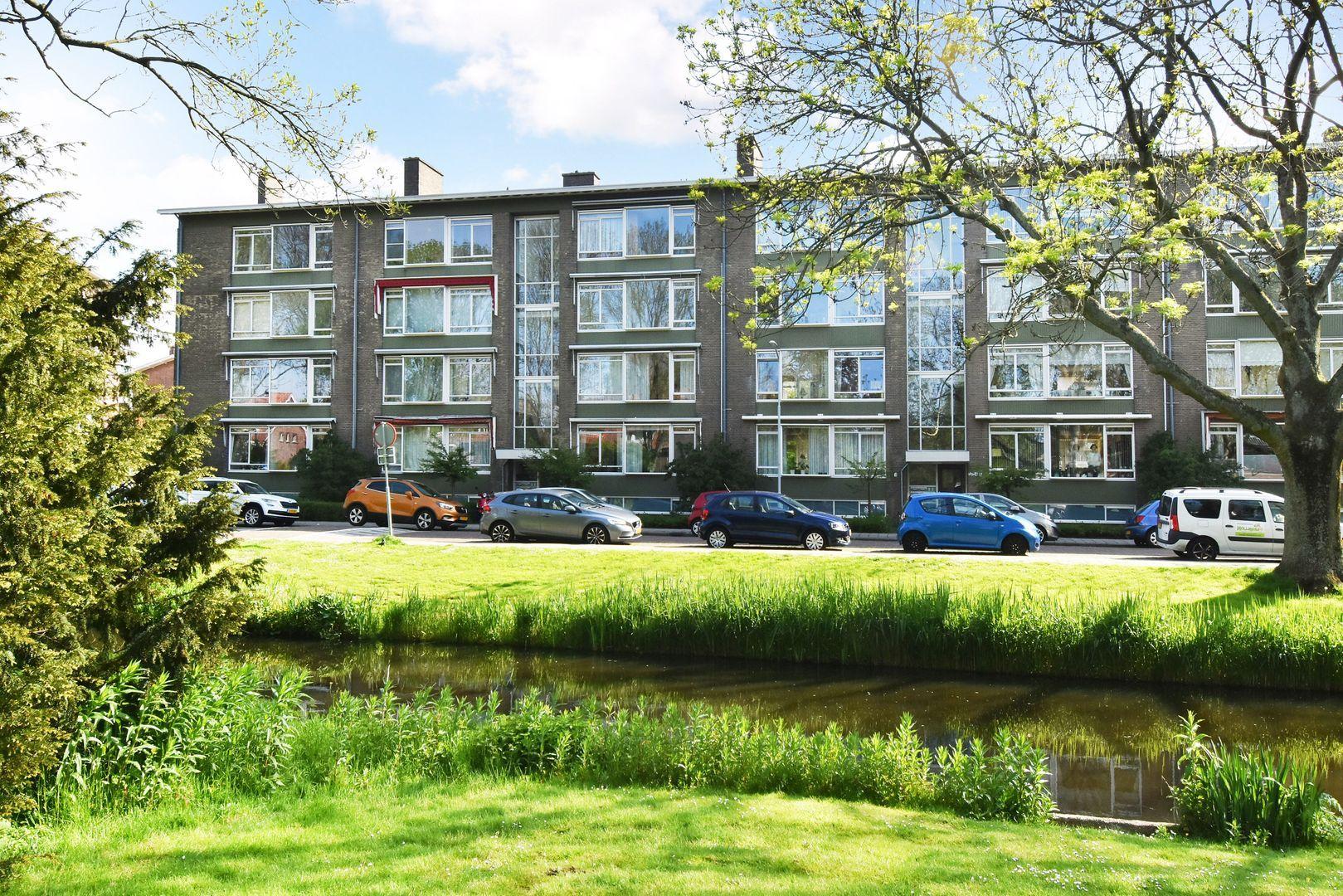 Aart van der Leeuwkade 97, Voorburg foto-0