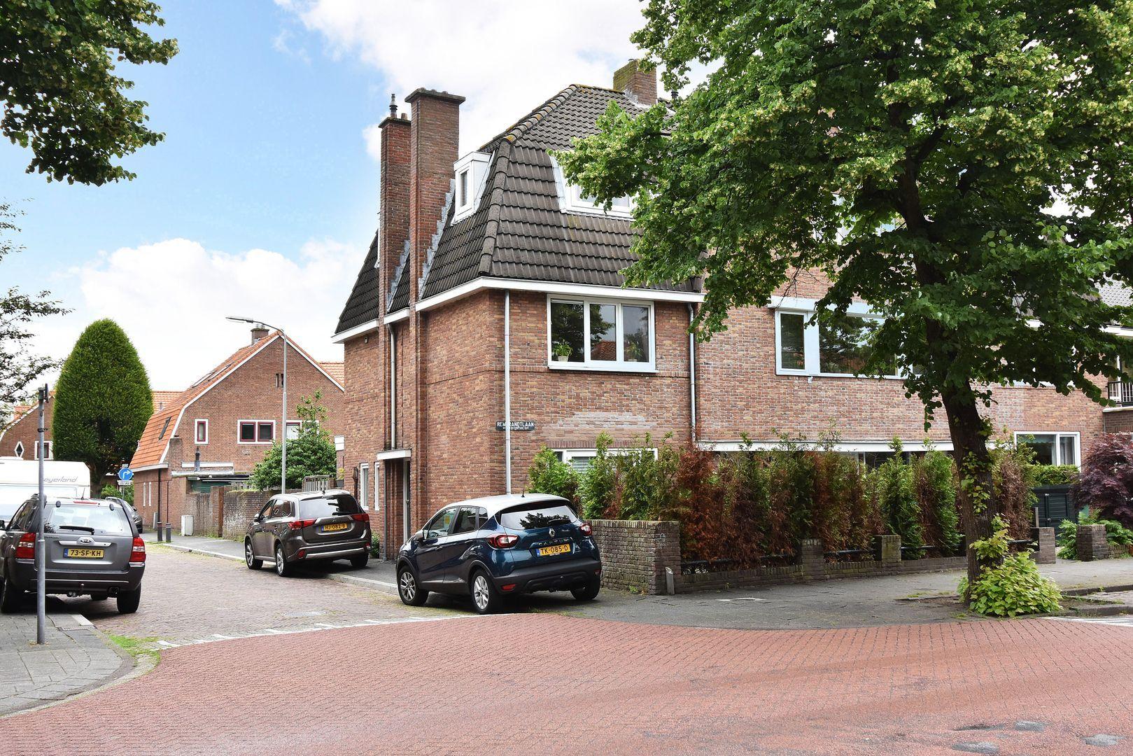 Rembrandtlaan 32, Voorburg foto-0