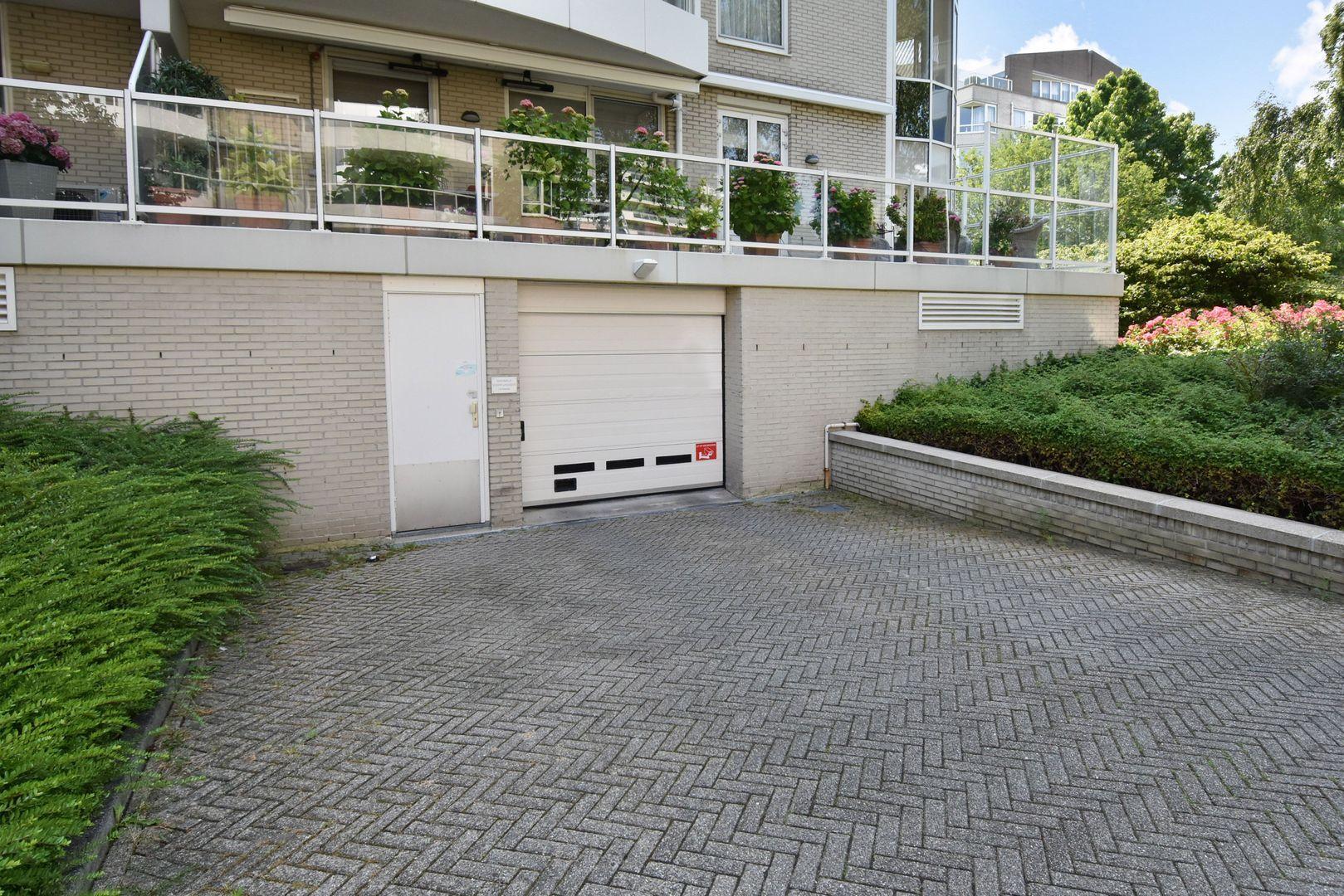 Noteboompark 83, Voorburg foto-30