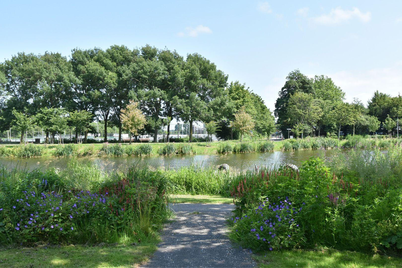 Noteboompark 83, Voorburg foto-32