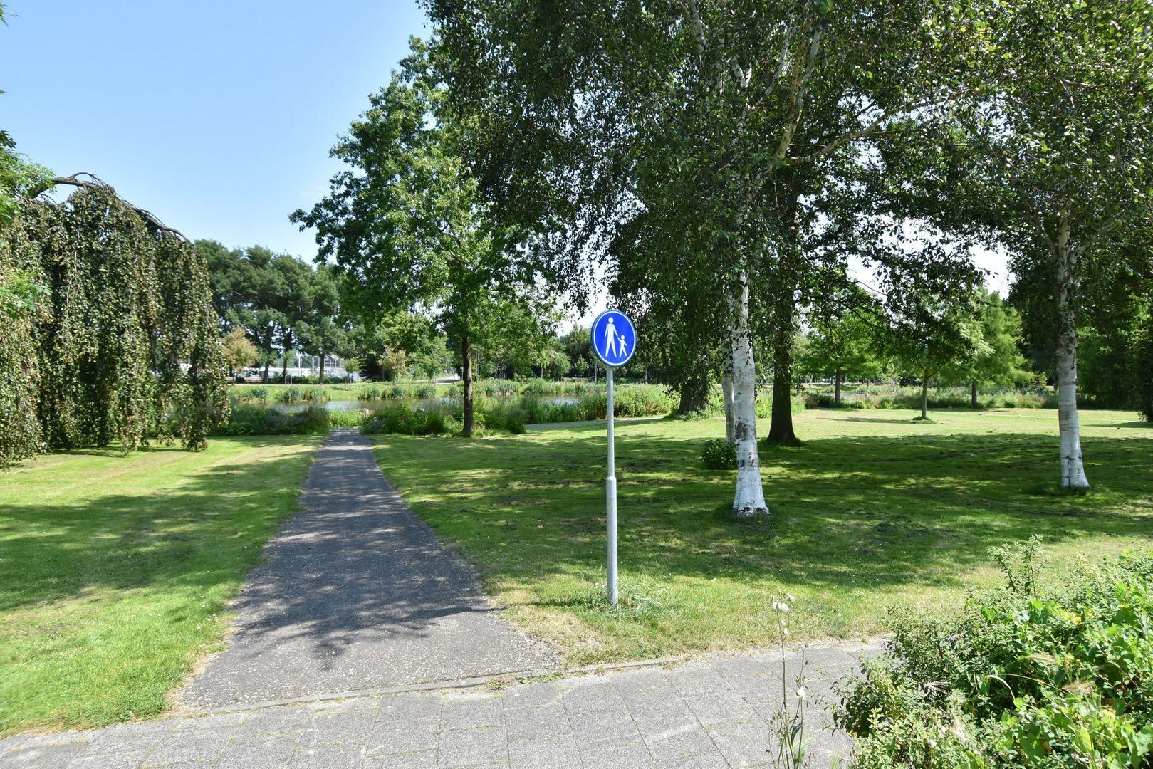 Noteboompark 83, Voorburg foto-35