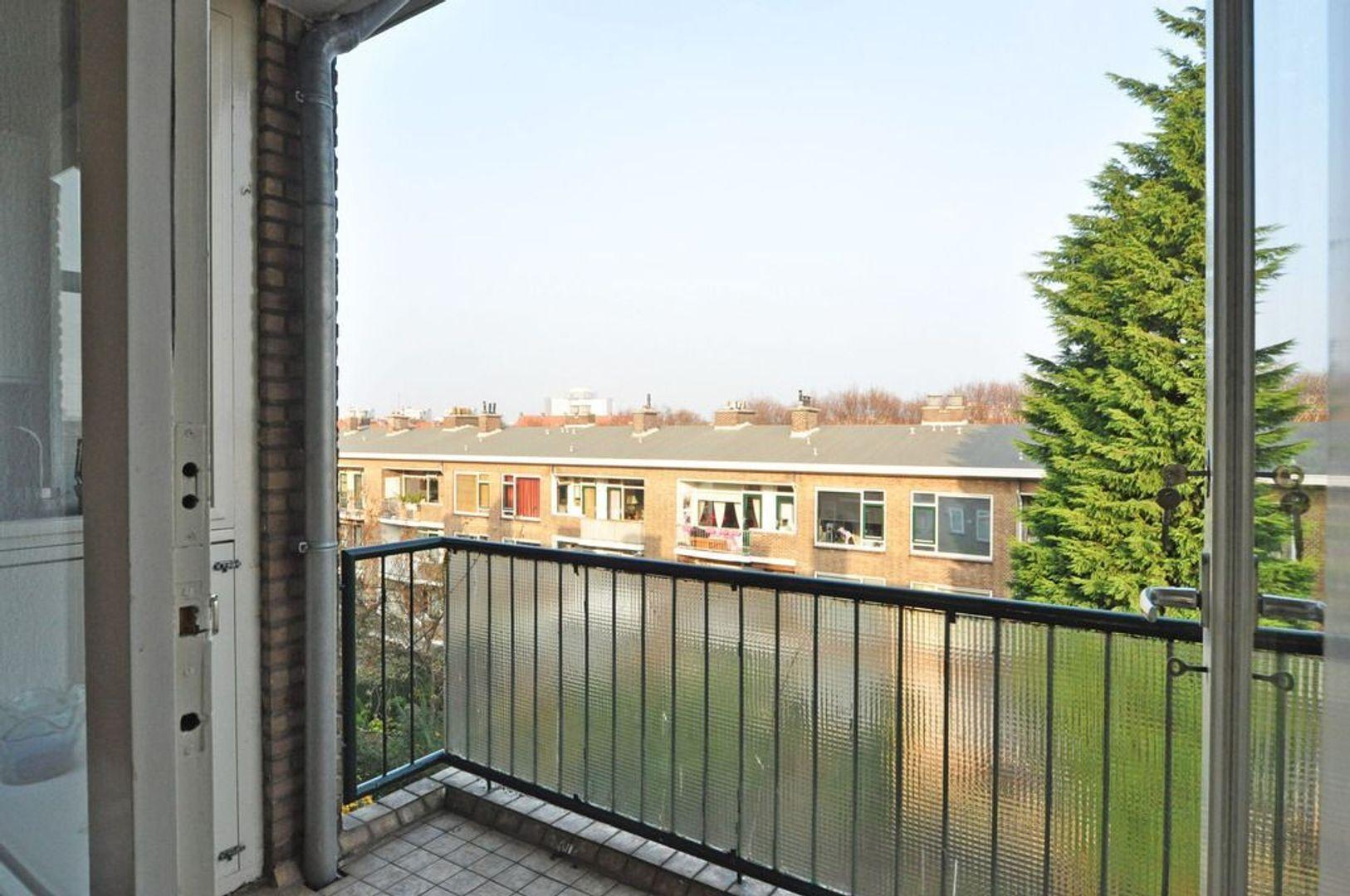 Aart van der Leeuwkade 82, Voorburg foto-6