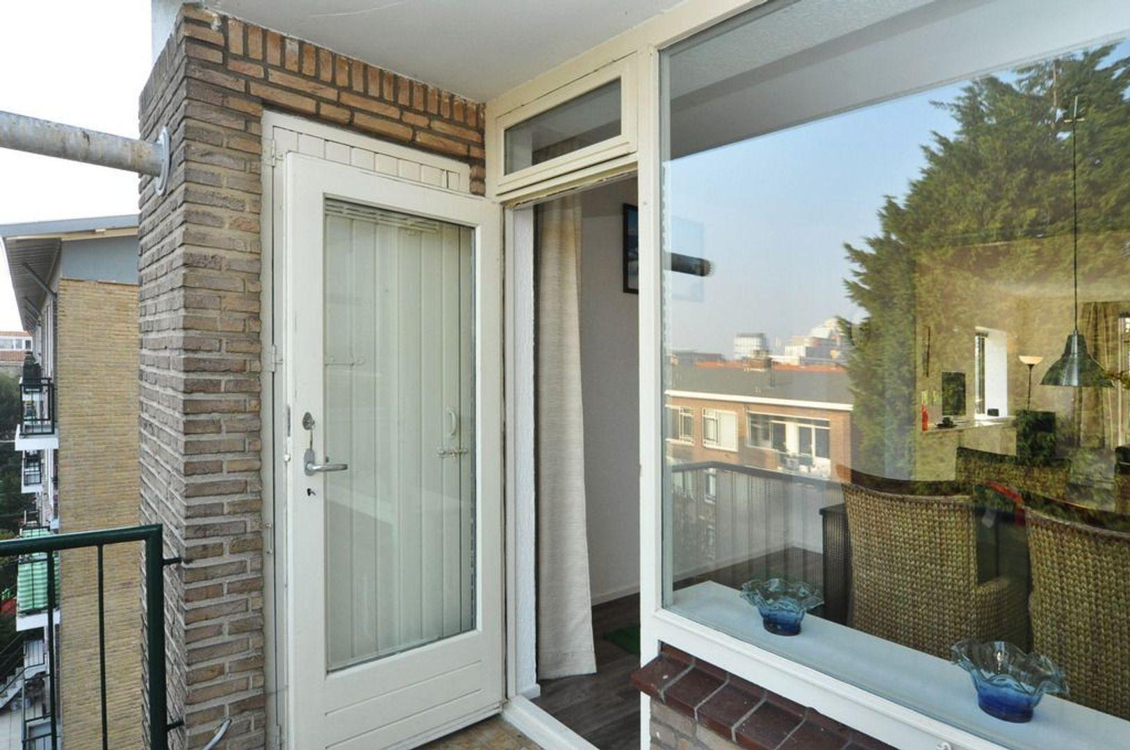 Aart van der Leeuwkade 82, Voorburg foto-7