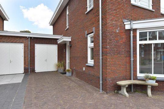 Vlietoevers 32, Voorburg small-2