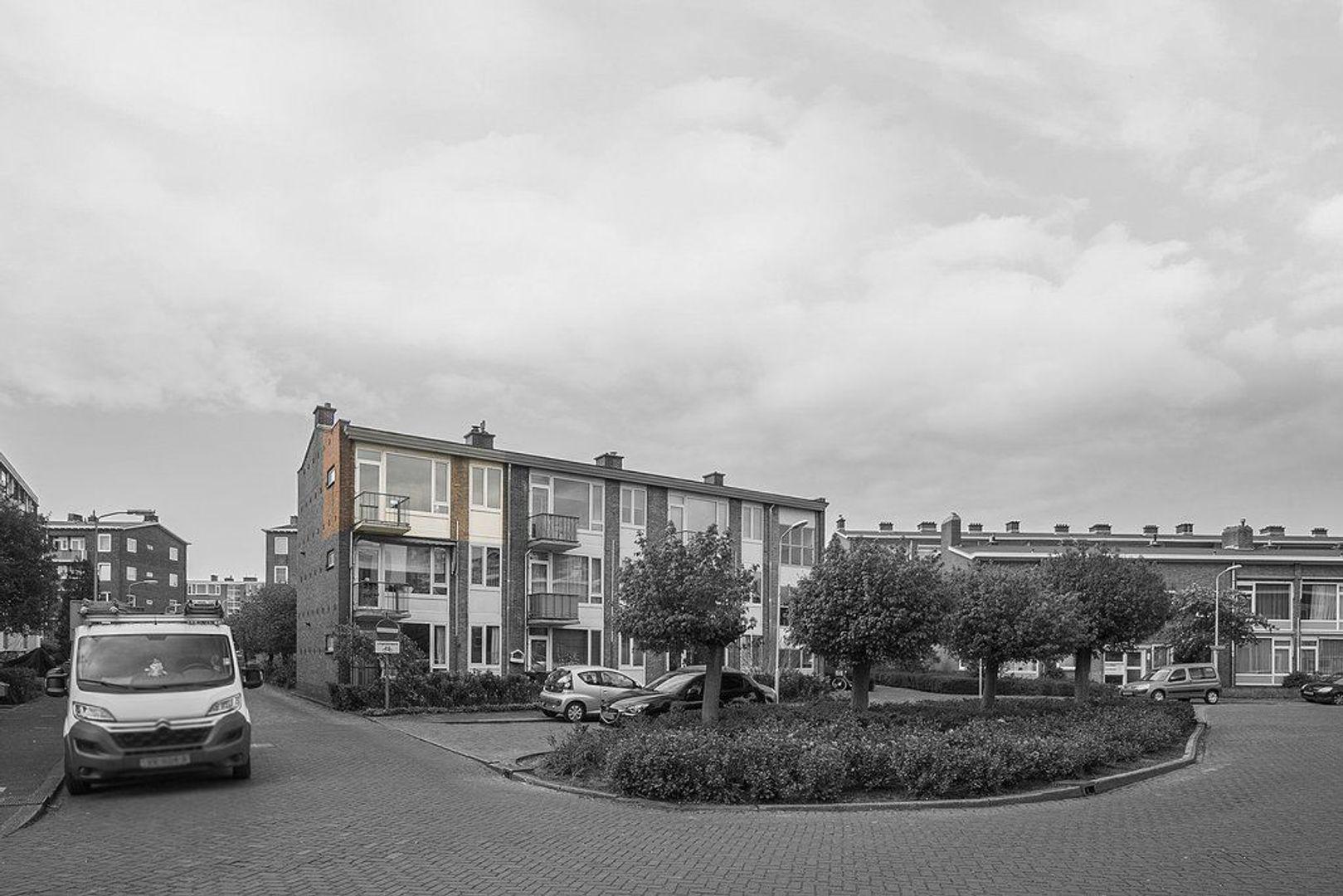 Uhlenbeckstraat 19, Voorburg foto-1
