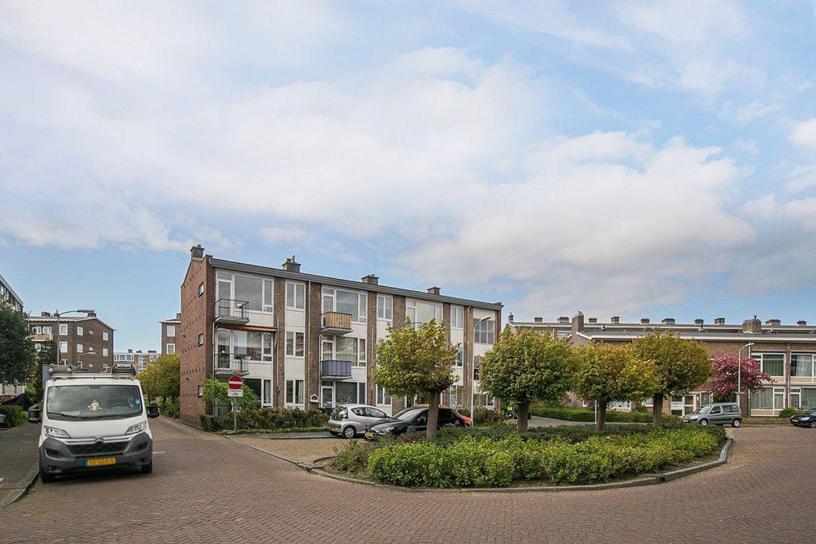 Uhlenbeckstraat 19, Voorburg foto-0