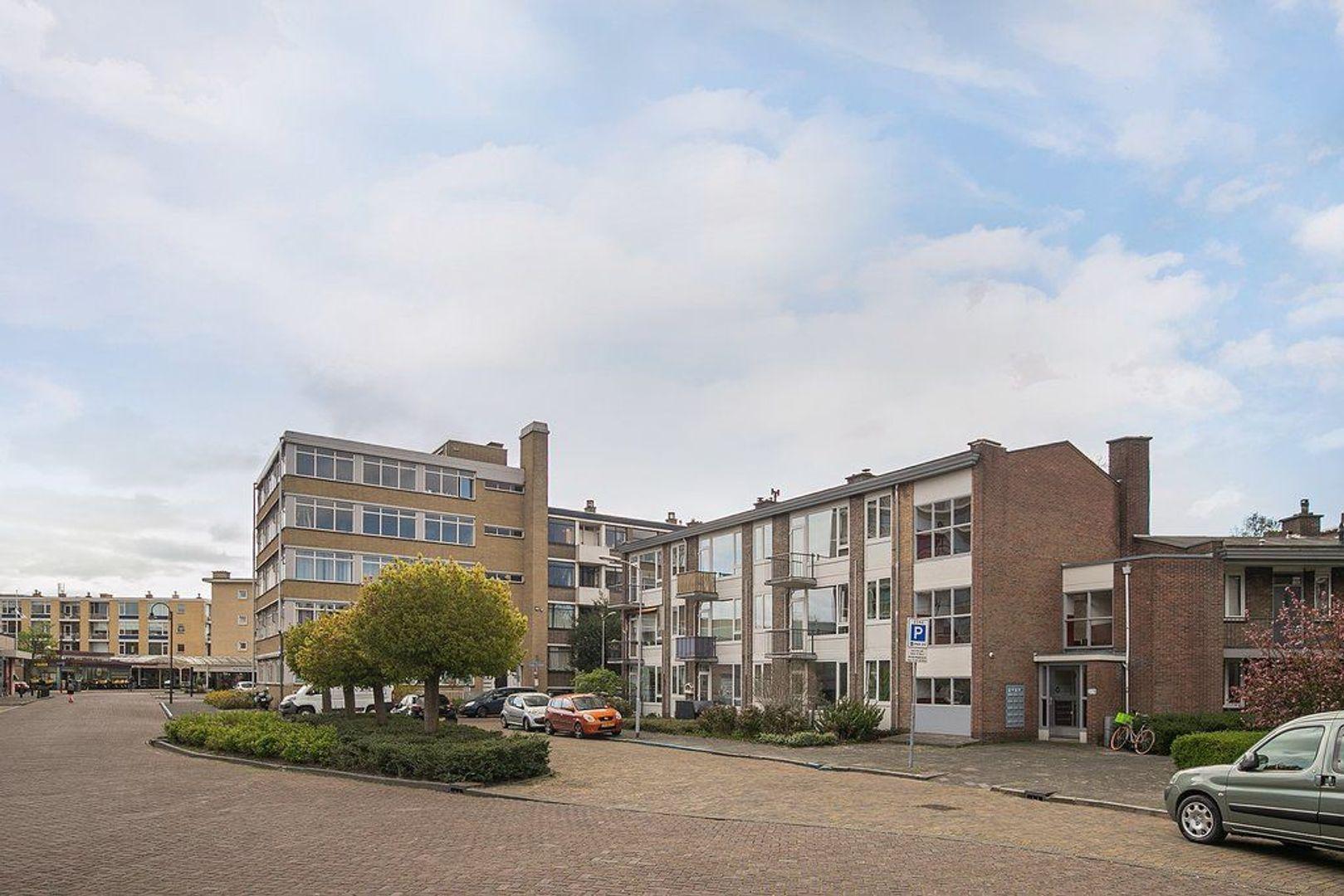 Uhlenbeckstraat 19, Voorburg foto-14