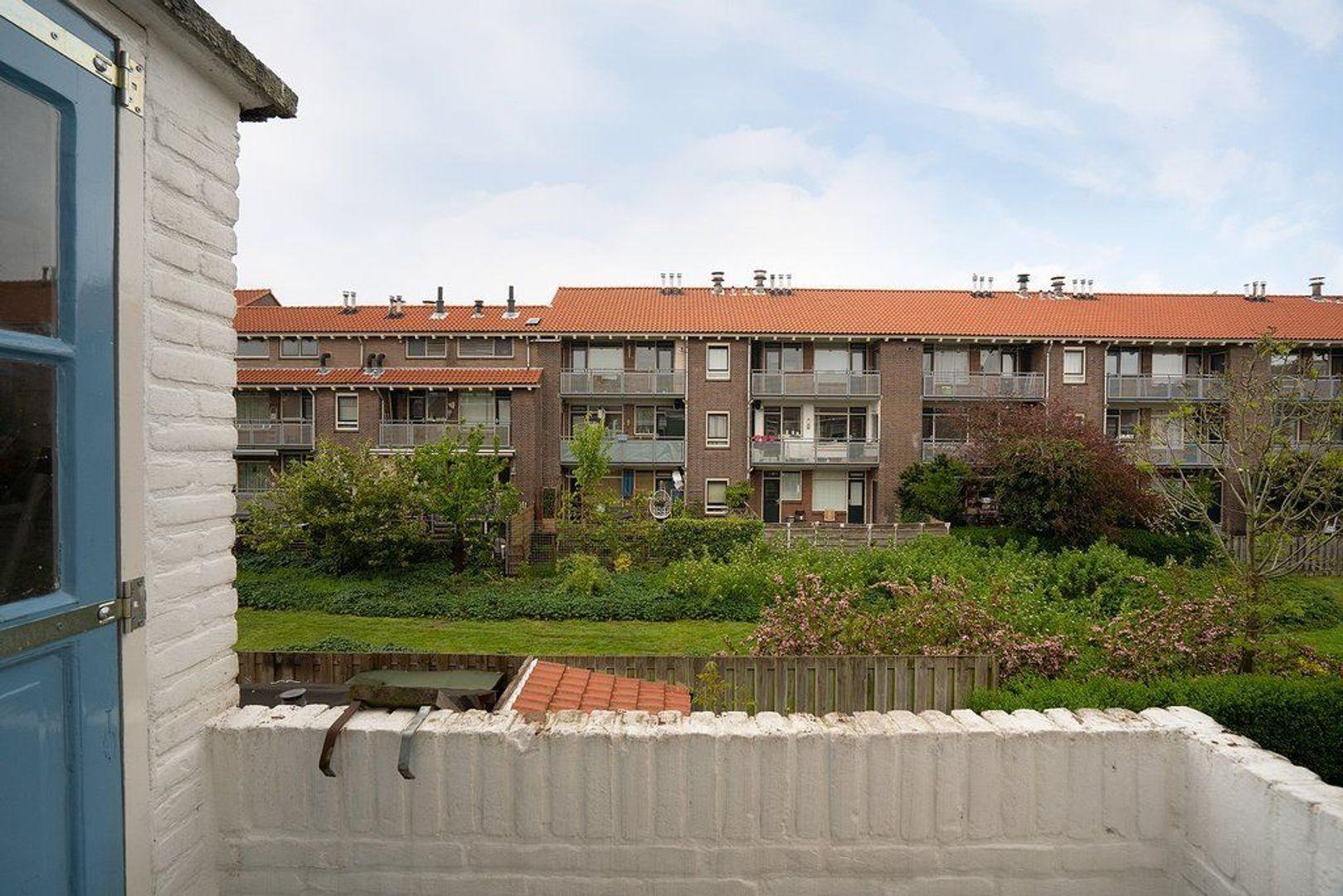 Frederik van Eedenstraat 28, Voorburg foto-17