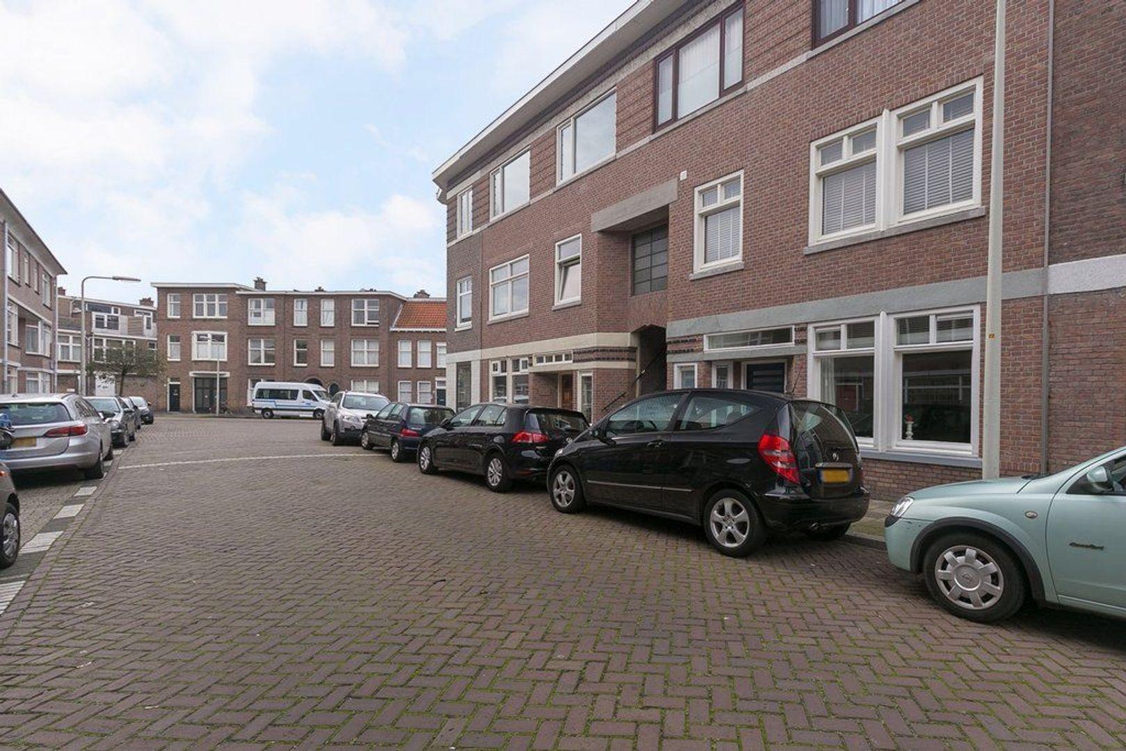 2e Joan Maetsuyckerstraat 245, Den Haag foto-4