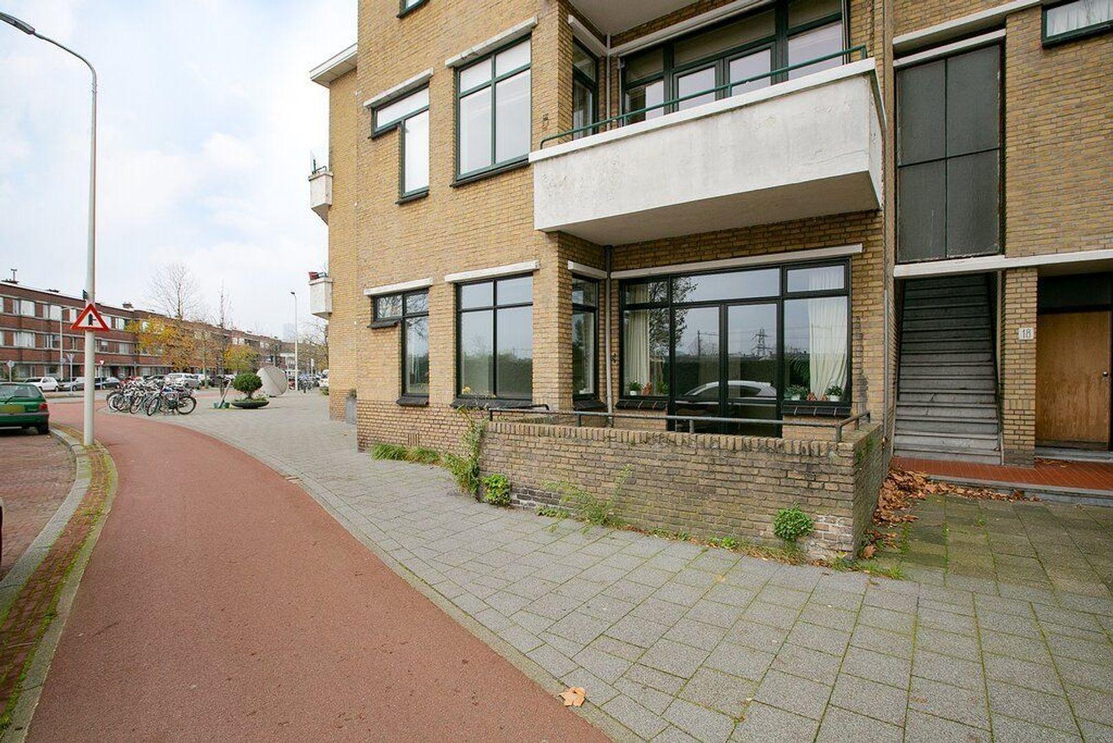 IJsclubweg 12, Den Haag foto-29