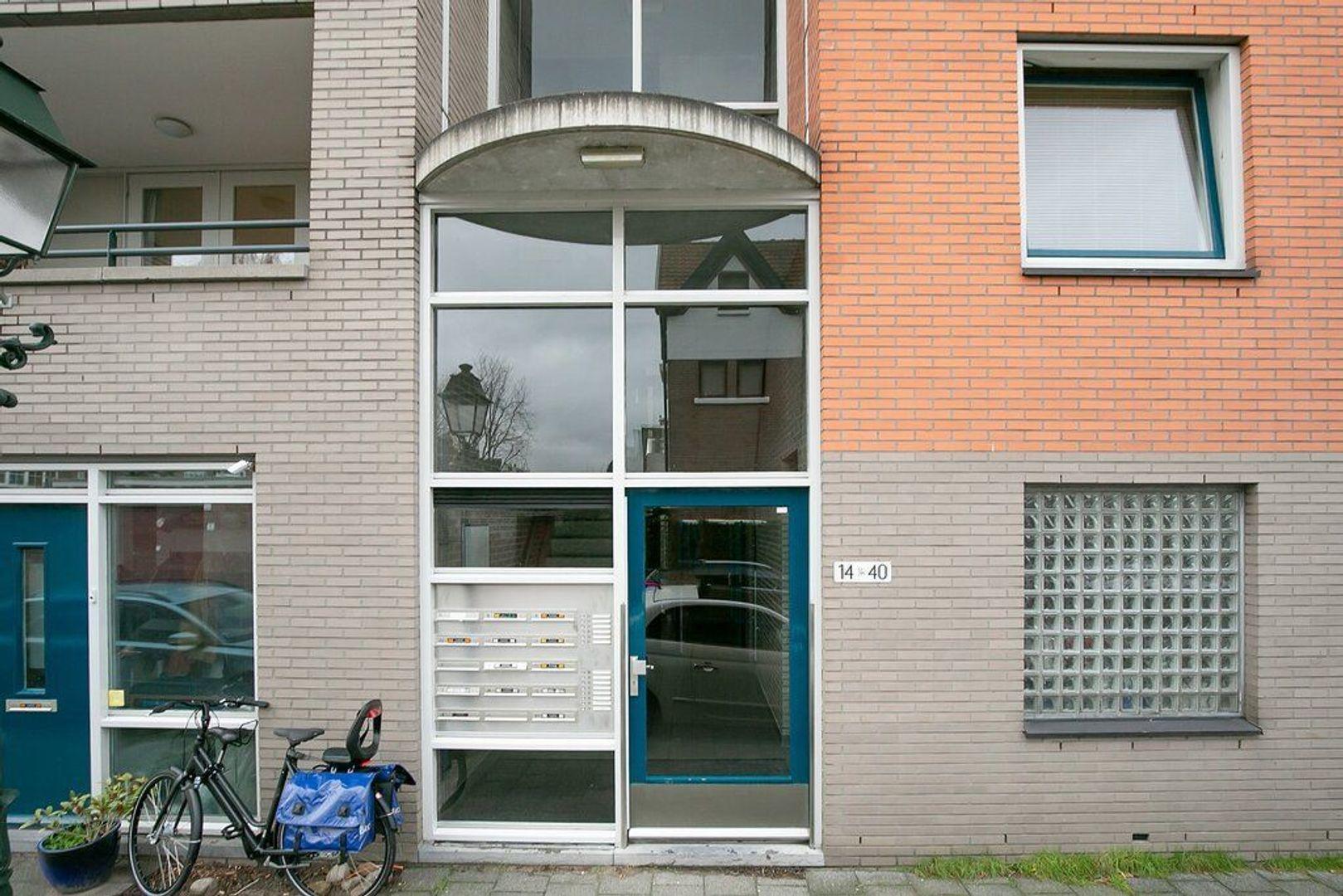 Abraham Patrasstraat 20, Den Haag foto-1