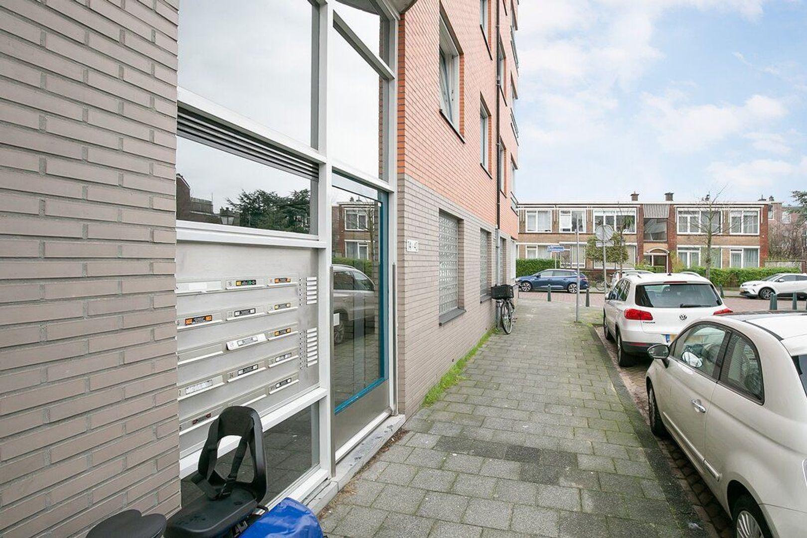 Abraham Patrasstraat 20, Den Haag foto-12
