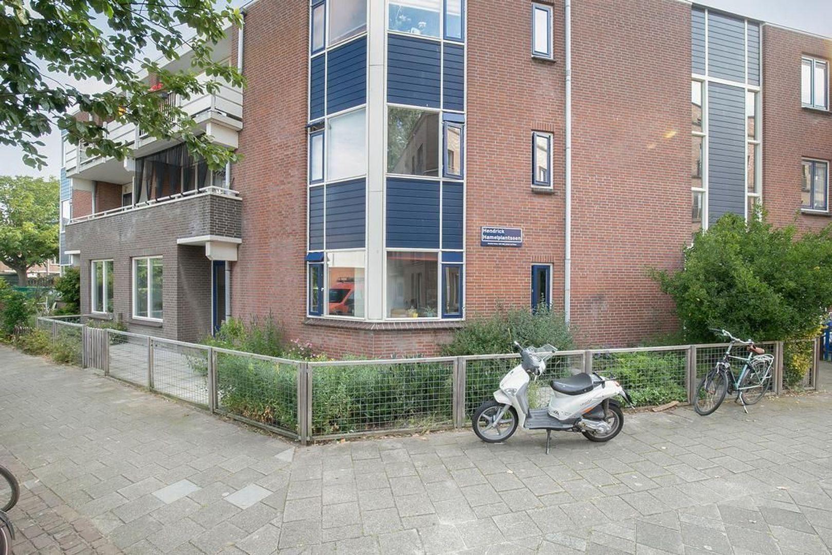 Hendrick Hamelplantsoen 23, Den Haag foto-0