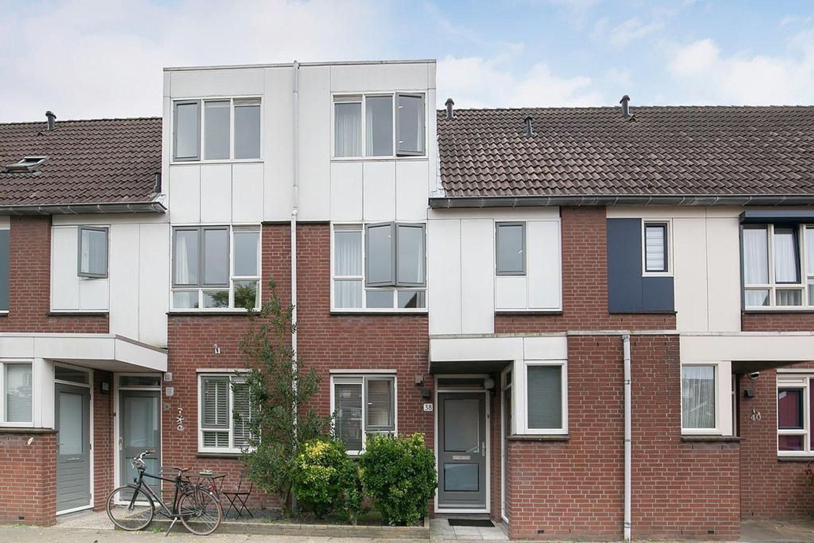 Esther de Boer-van Rijkstraat 38, Leiden foto-0