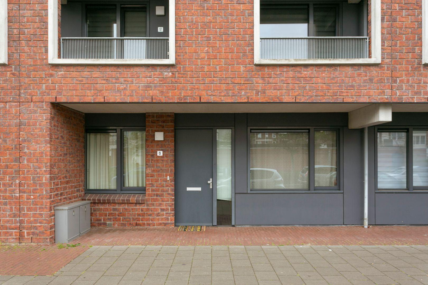 Kloosterveenstraat 9, Den Haag foto-1