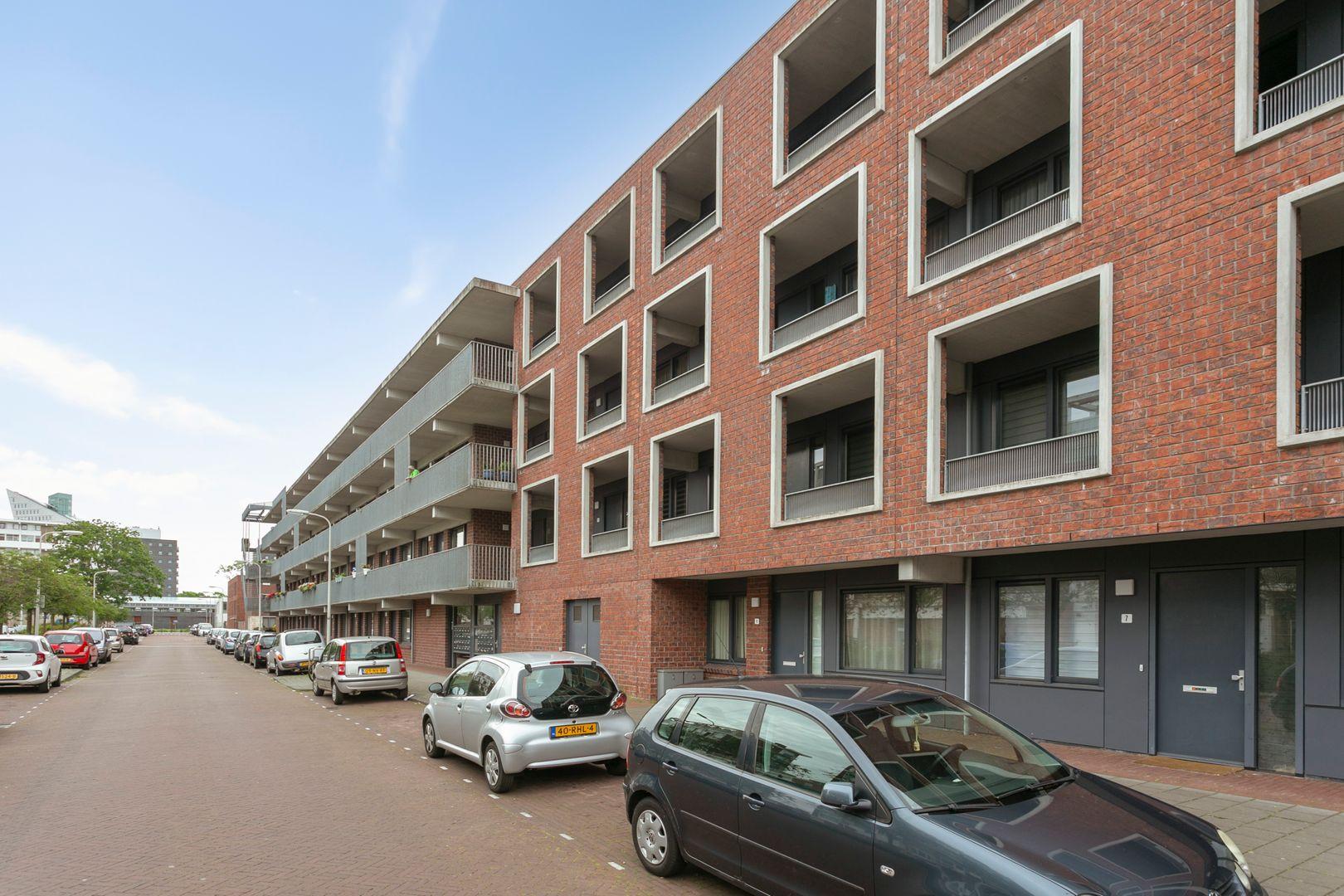 Kloosterveenstraat 9, Den Haag foto-0