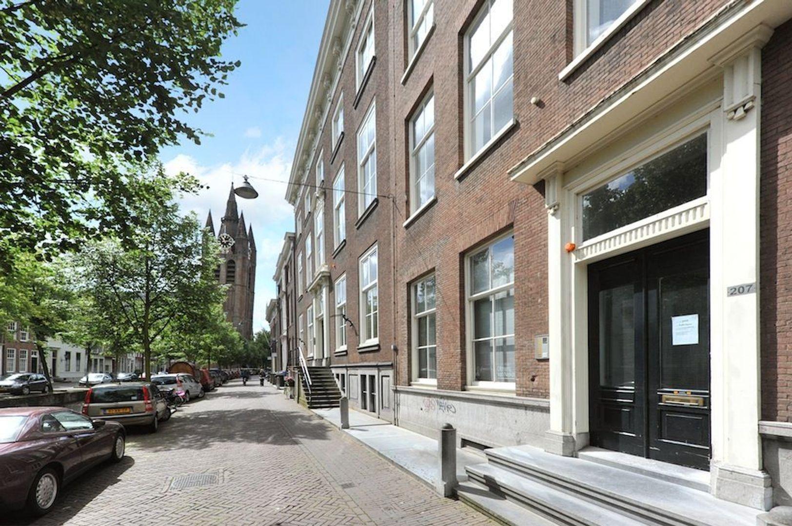 Oude Delft 205, Delft foto-1