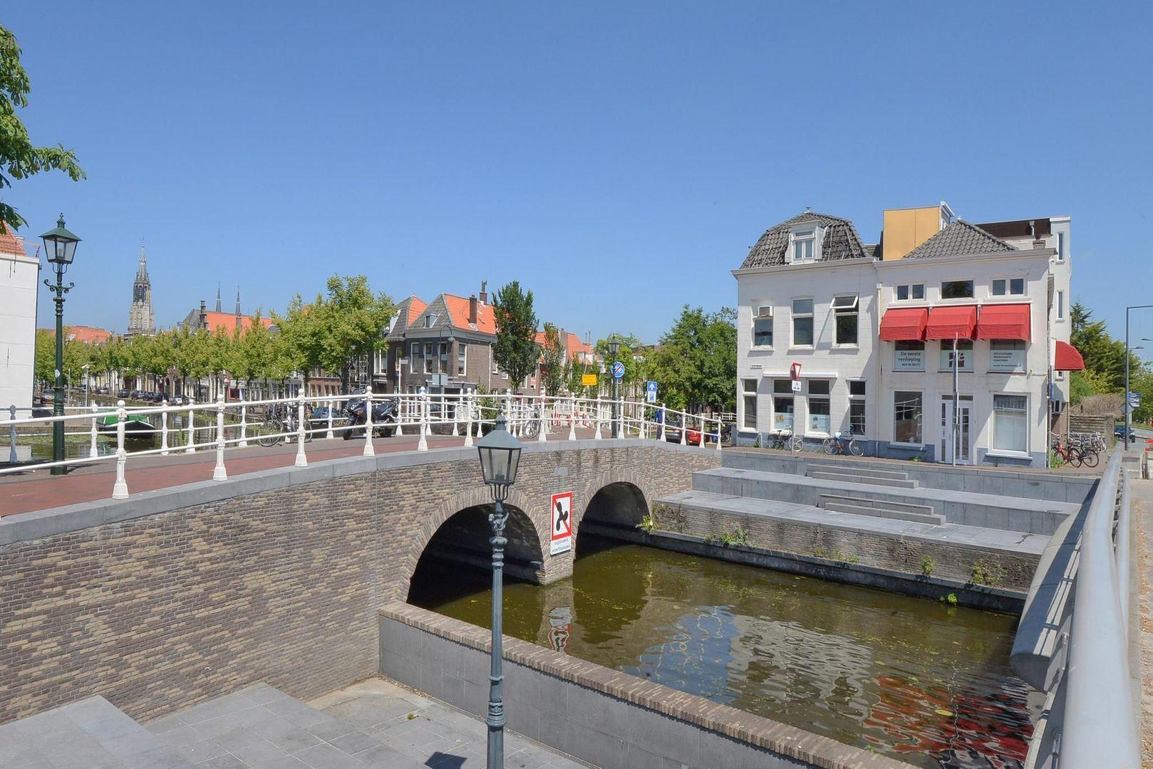 Achterom 1 3 en 5, Delft foto-4